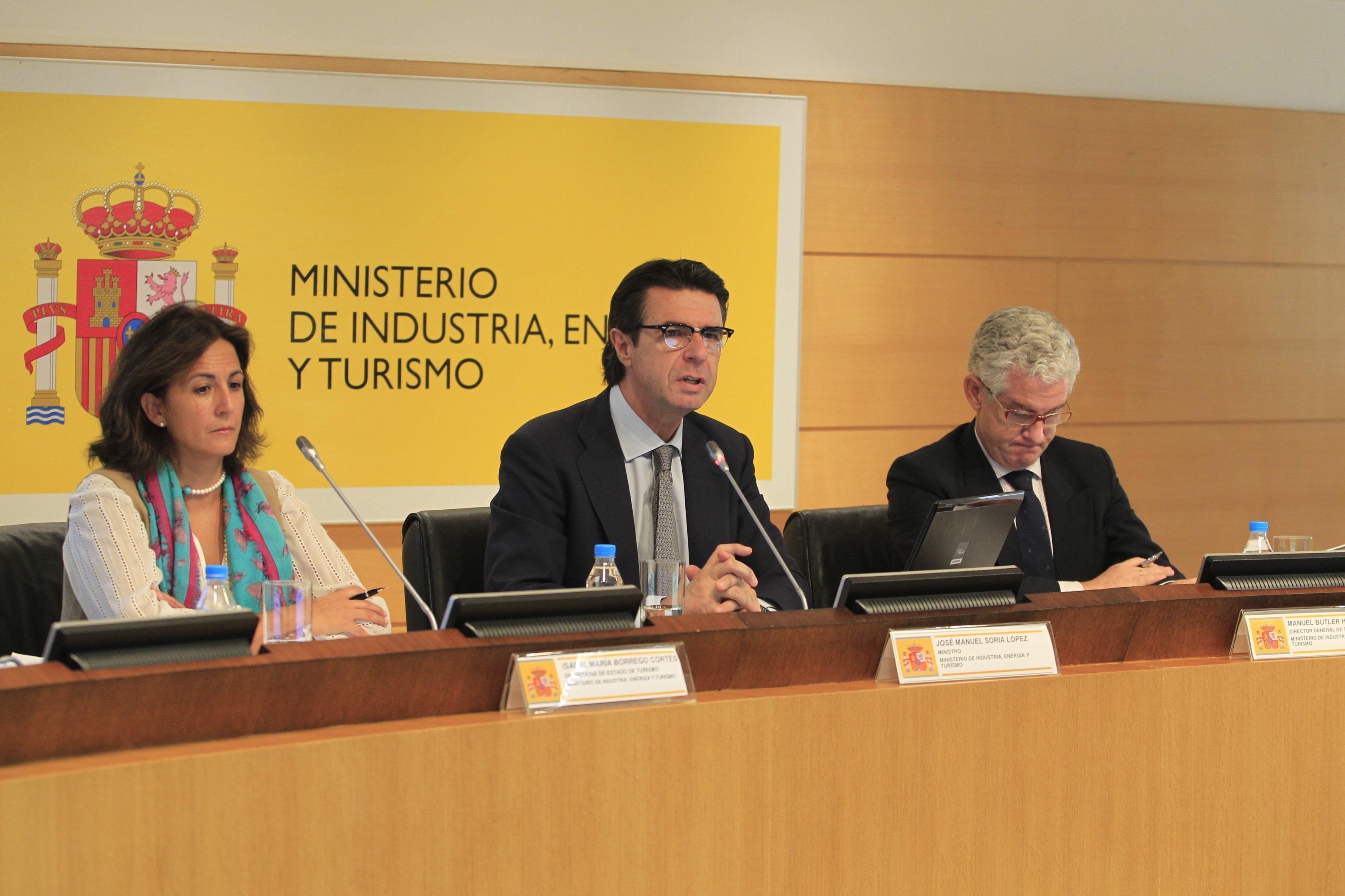 Soria confía en la nueva dirección de Iberia para «reconducir» su situación
