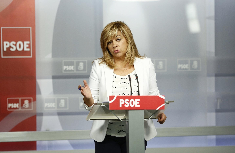 Valenciano pide a los »inmovilistas» del PSOE que se lean su propuesta federal y destaca el apoyo de Felipe González
