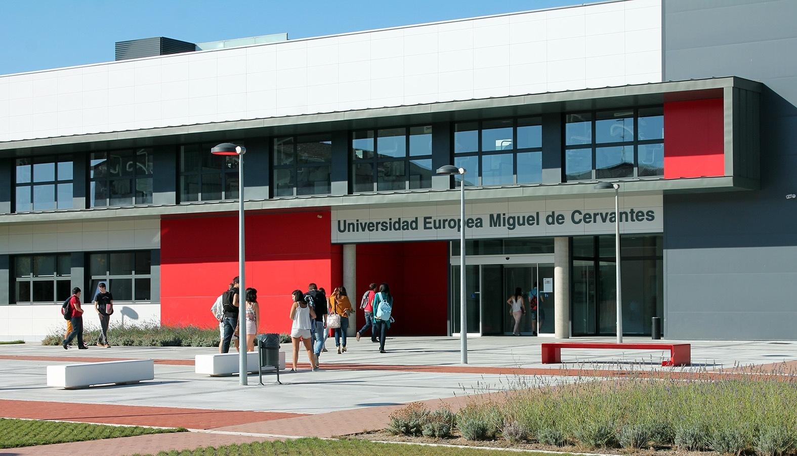 Los 1.500 alumnos de la UEMC inician sus clases en un curso en el que el número de nuevos estudiantes permanece estable