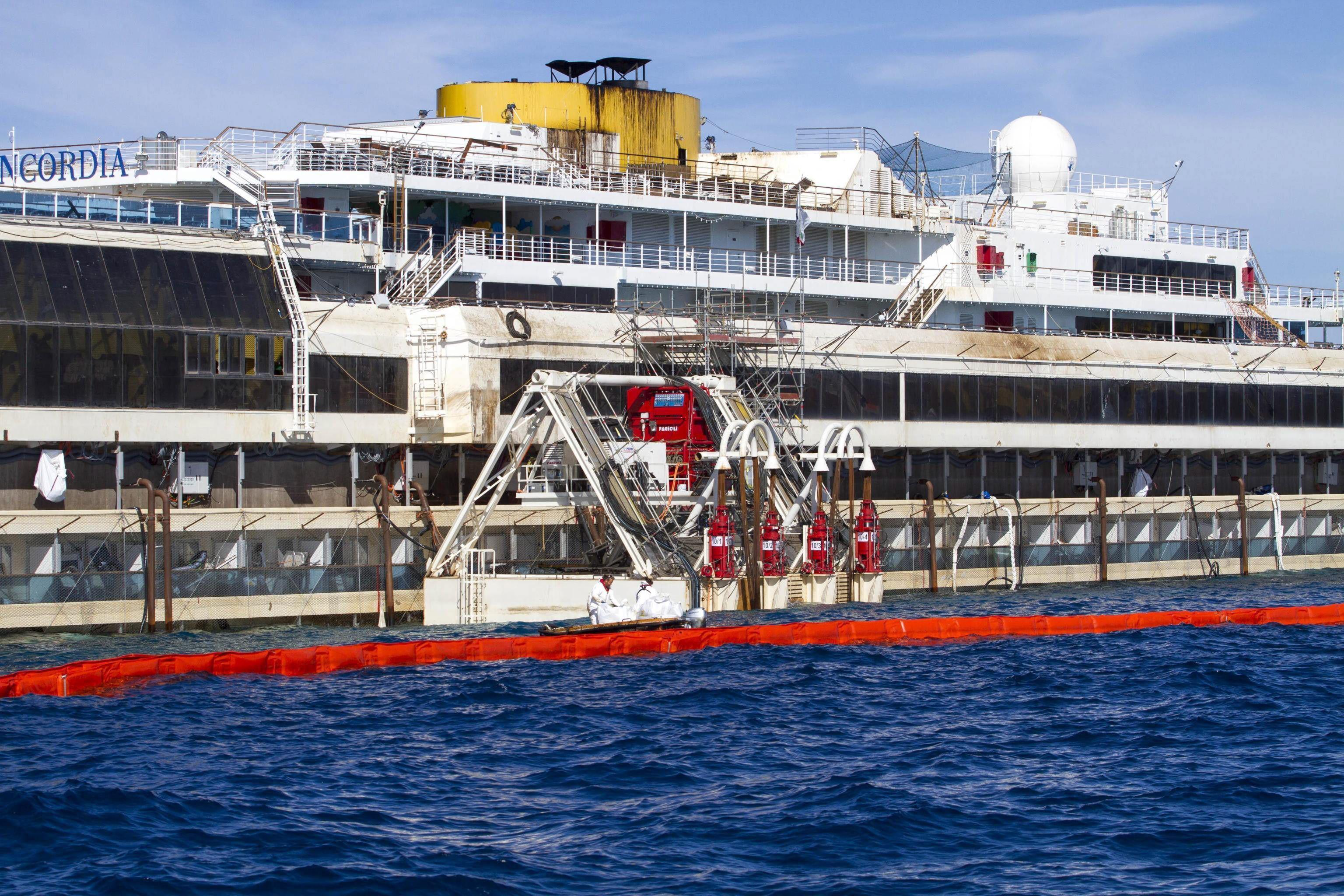 El capitán del Costa Concordia culpa al timonel del accidente