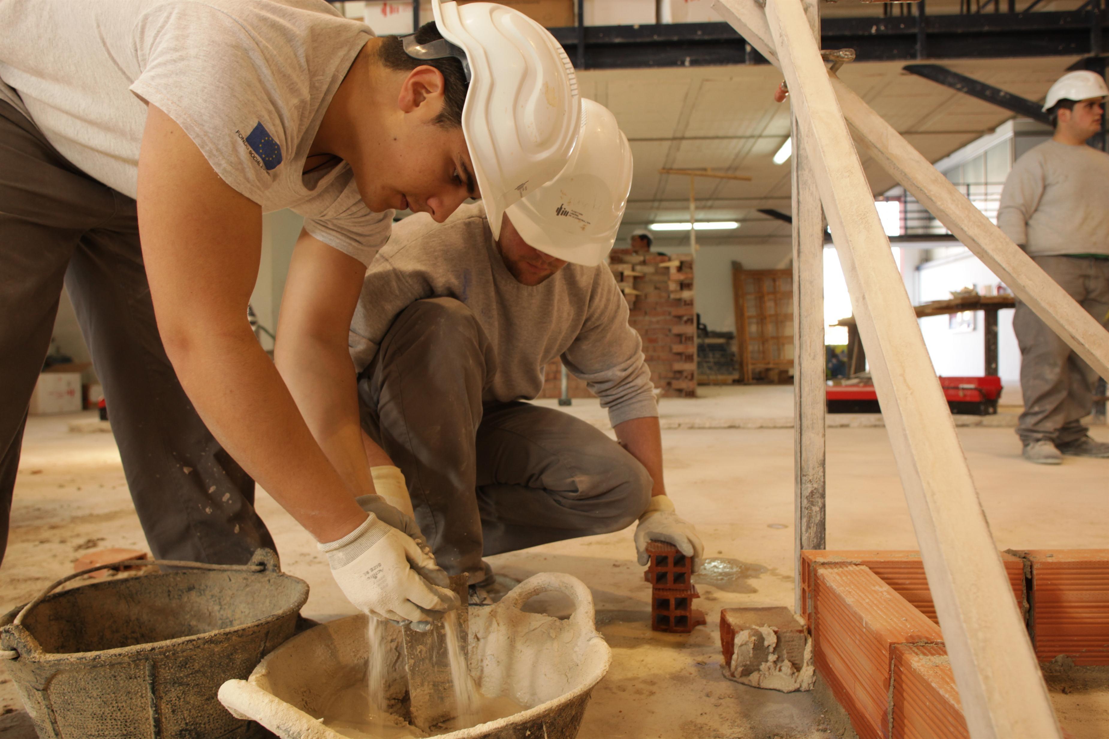 El sector de la construcción pierde un 16,4% de empresas en Cantabria en los tres últimos años