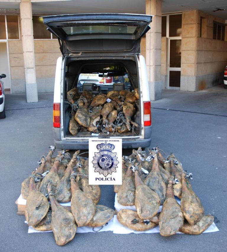 Cuatro detenidos por el robo de 160 paletas y jamones ibéricos en Guijuelo (Salamanca)