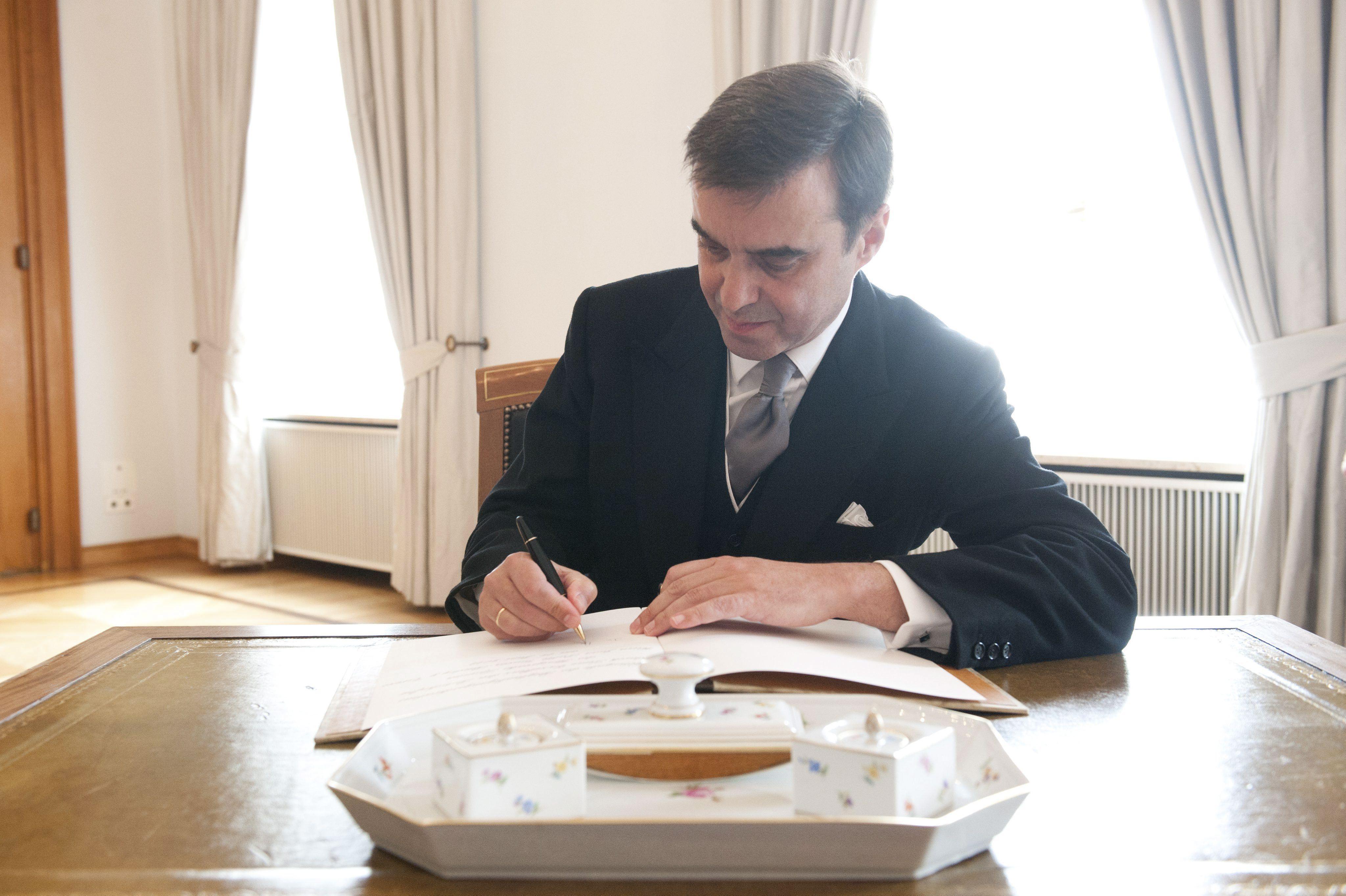 El embajador de España en Alemania dice que la victoria de Merkel es buena para España