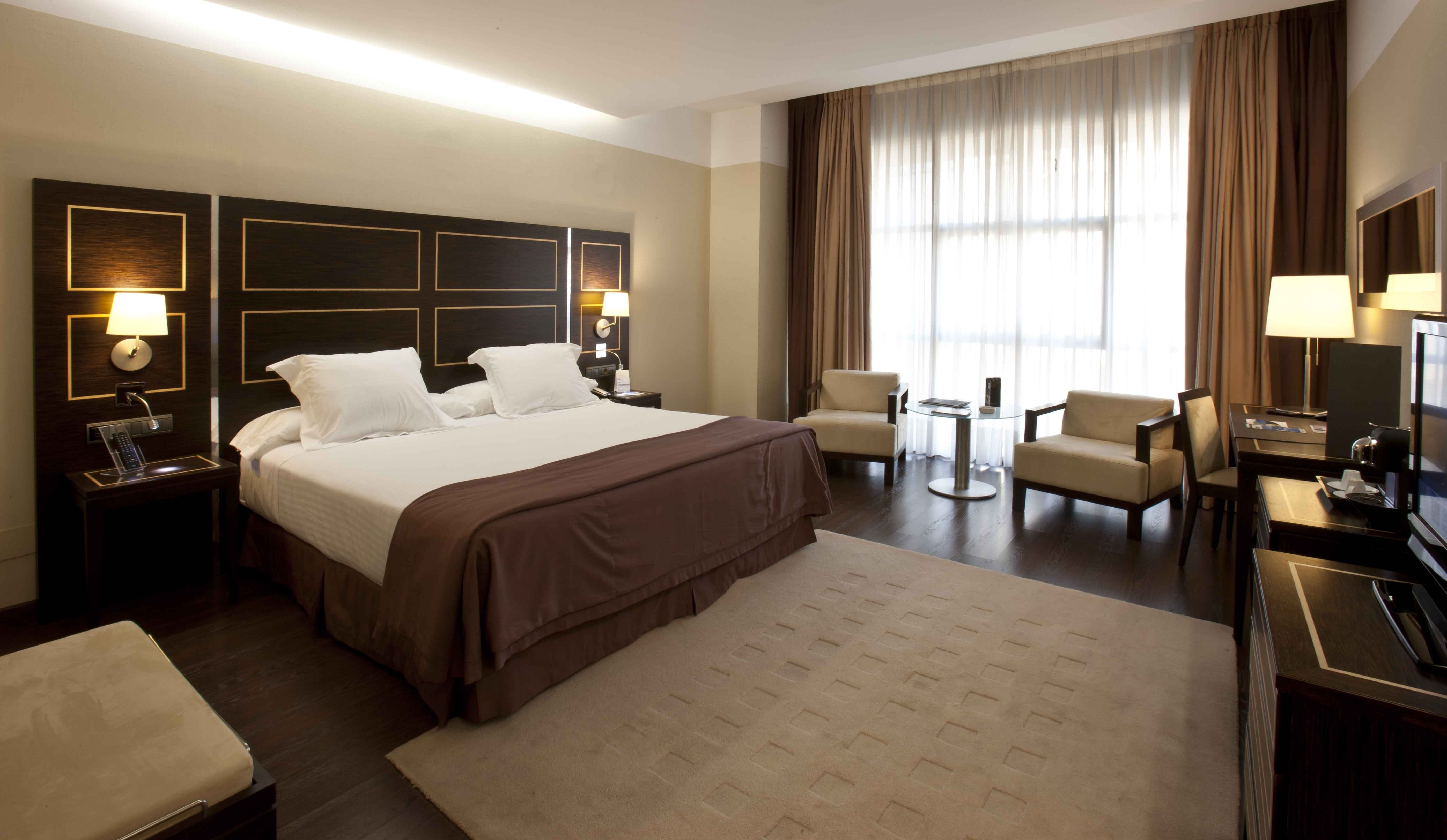 El número de viajeros que reciben los hoteles de Extremadura crece un 7,5 en agosto en Extremadura