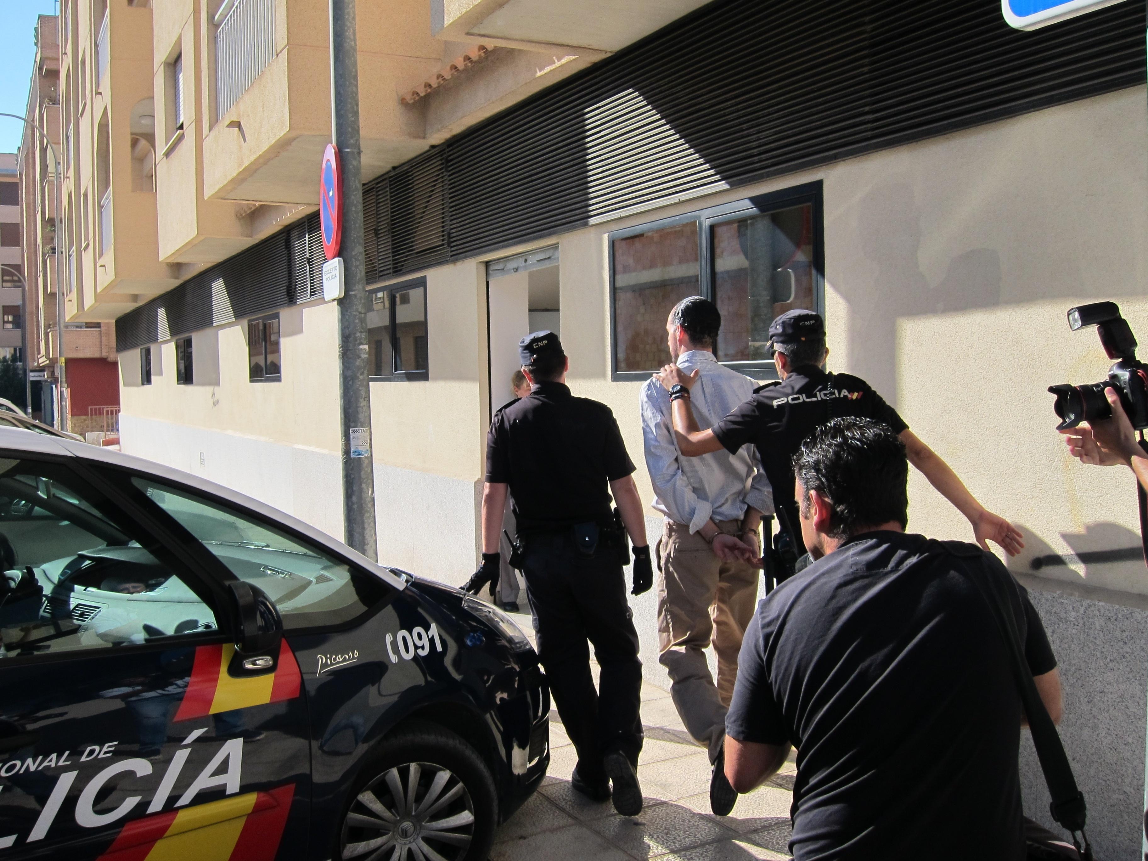 Los dos presuntos autores del crimen de la pareja holandesa asesinada en Murcia se acogen a su derecho a no declarar