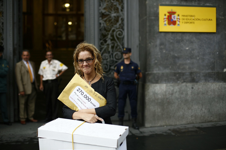 El PSOE apoyará hoy a UPyD en el Congreso en la propuesta de una madre para el préstamo gratuito de libros de texto