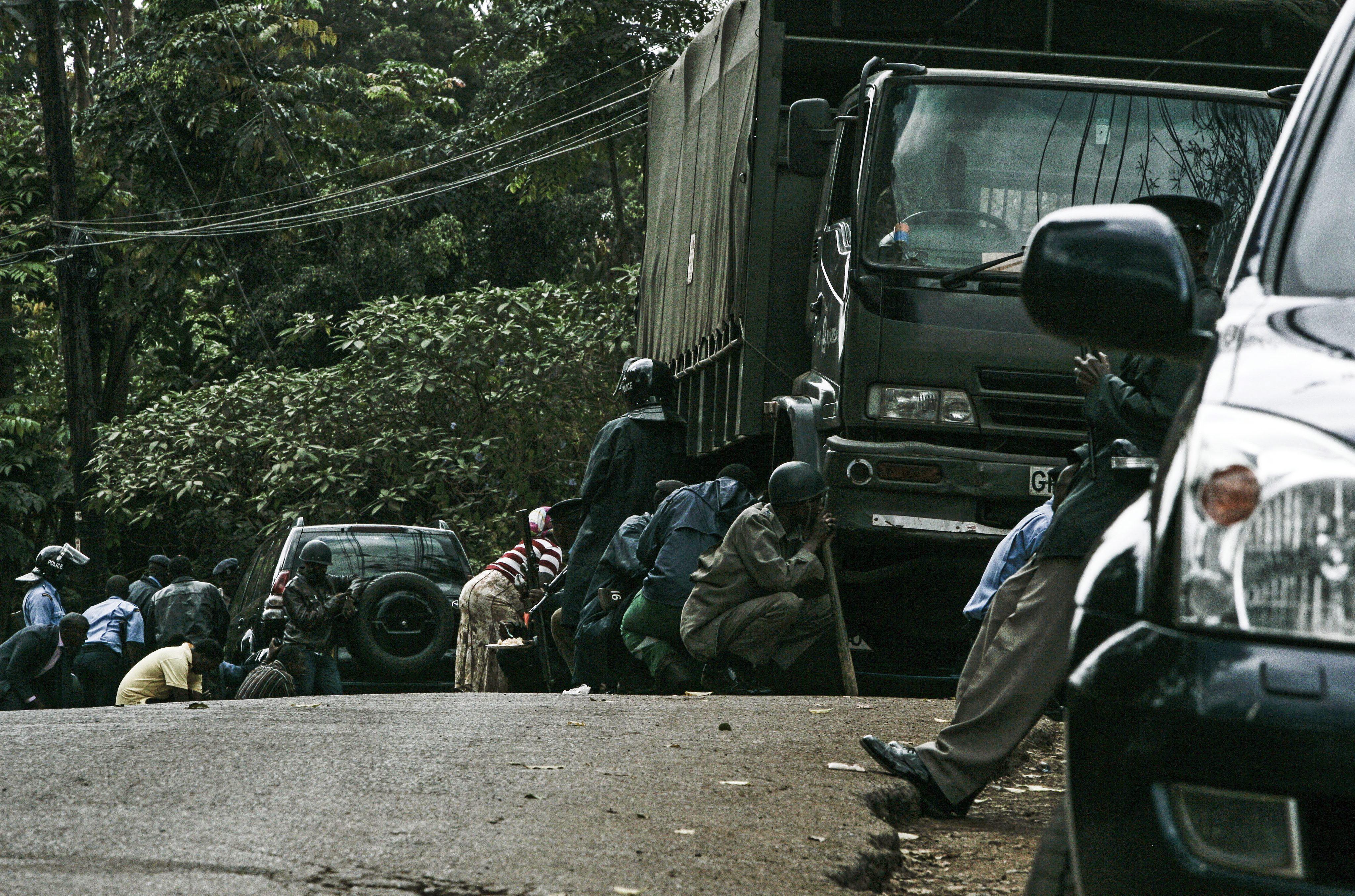 Varios estadounidenses y una británica, entre los atacantes del centro comercial de Kenia