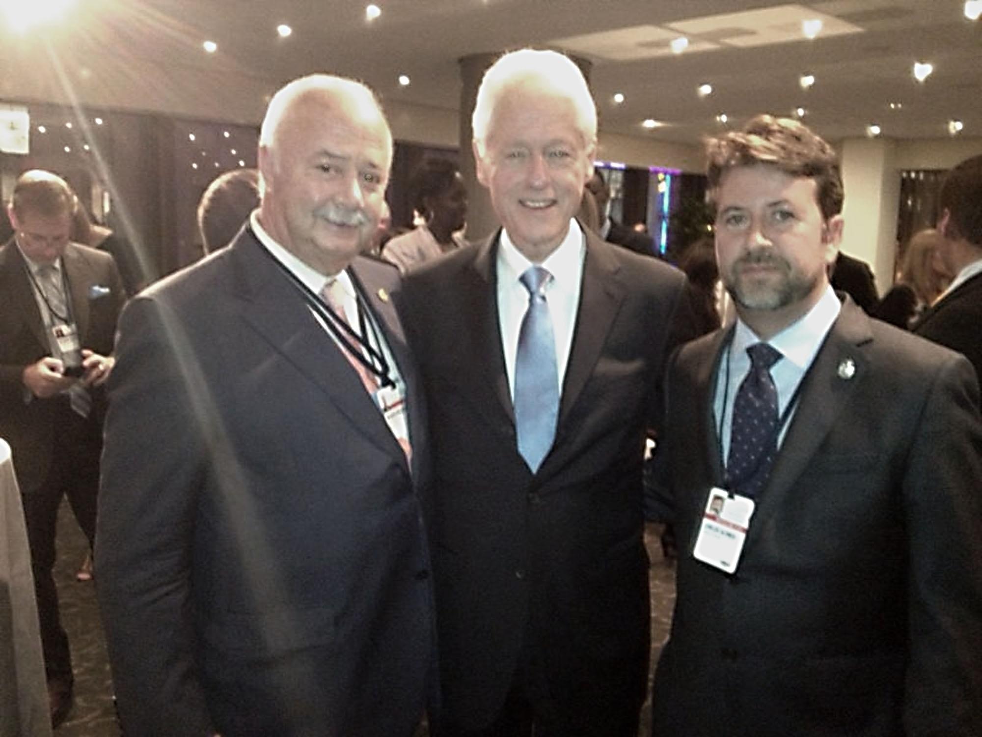 Alonso busca apoyos en Estados Unidos para incluir proyectos de Tenerife en la »Iniciativa Global Clinton»