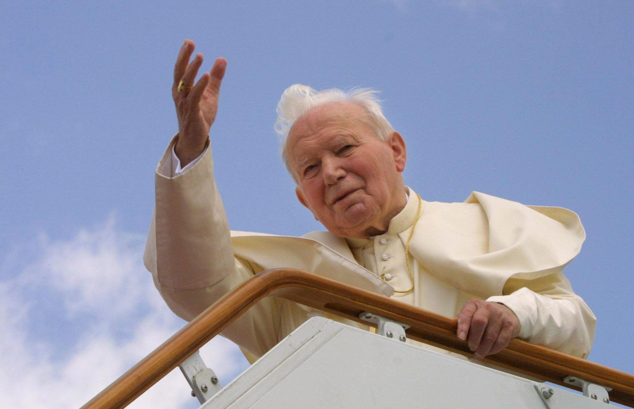 Los dos milagros que han llevado a Juan Pablo II a la santidad