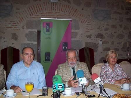La Asociación Cultural Placentina »Pedro de Trejo» se ofrece a enseñar Plasencia (Cáceres) a los estudiantes