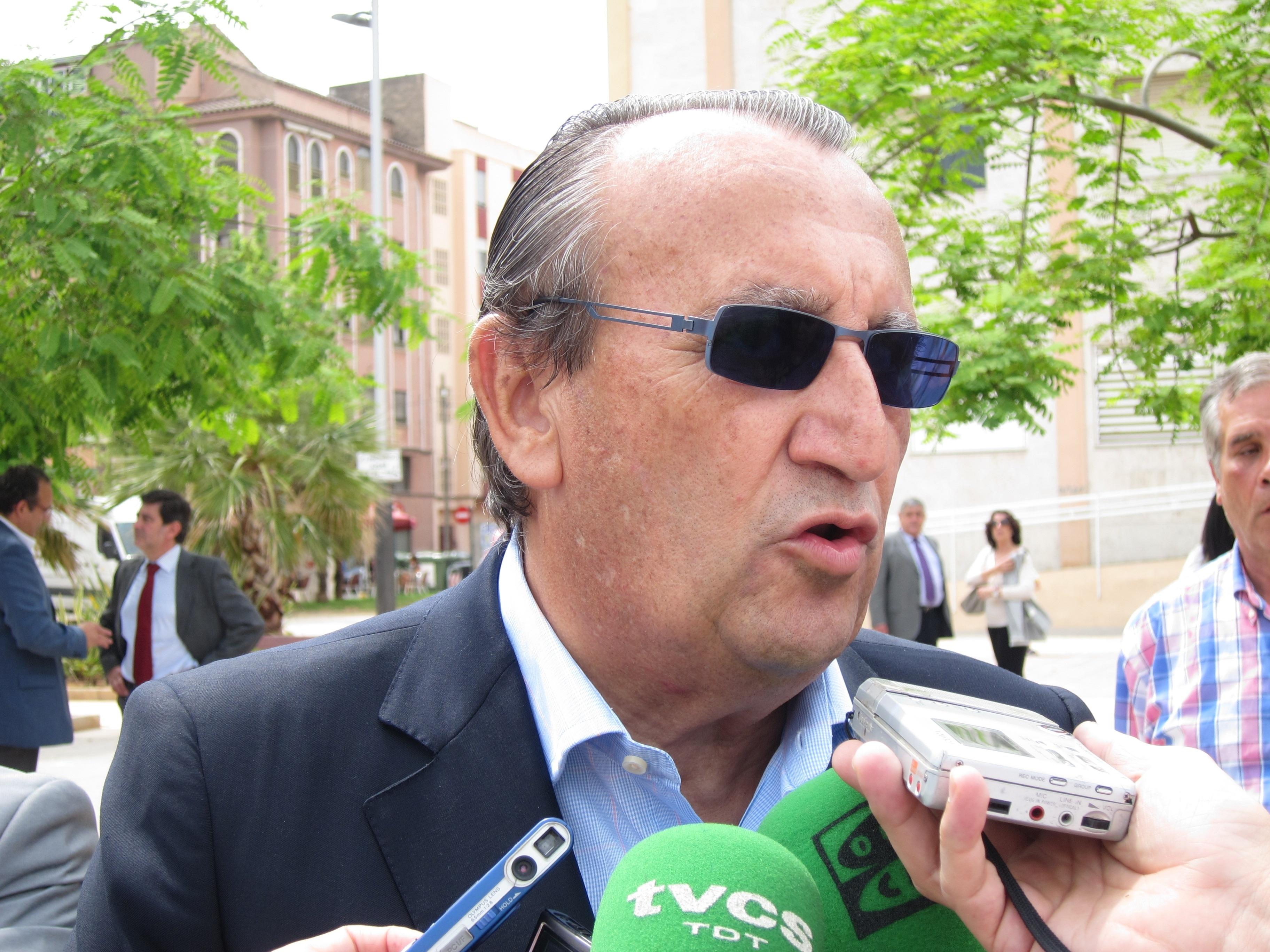 Carlos Fabra, a juicio desde este miércoles por el »caso Naranjax» en el que se enfrenta a 13 de cárcel