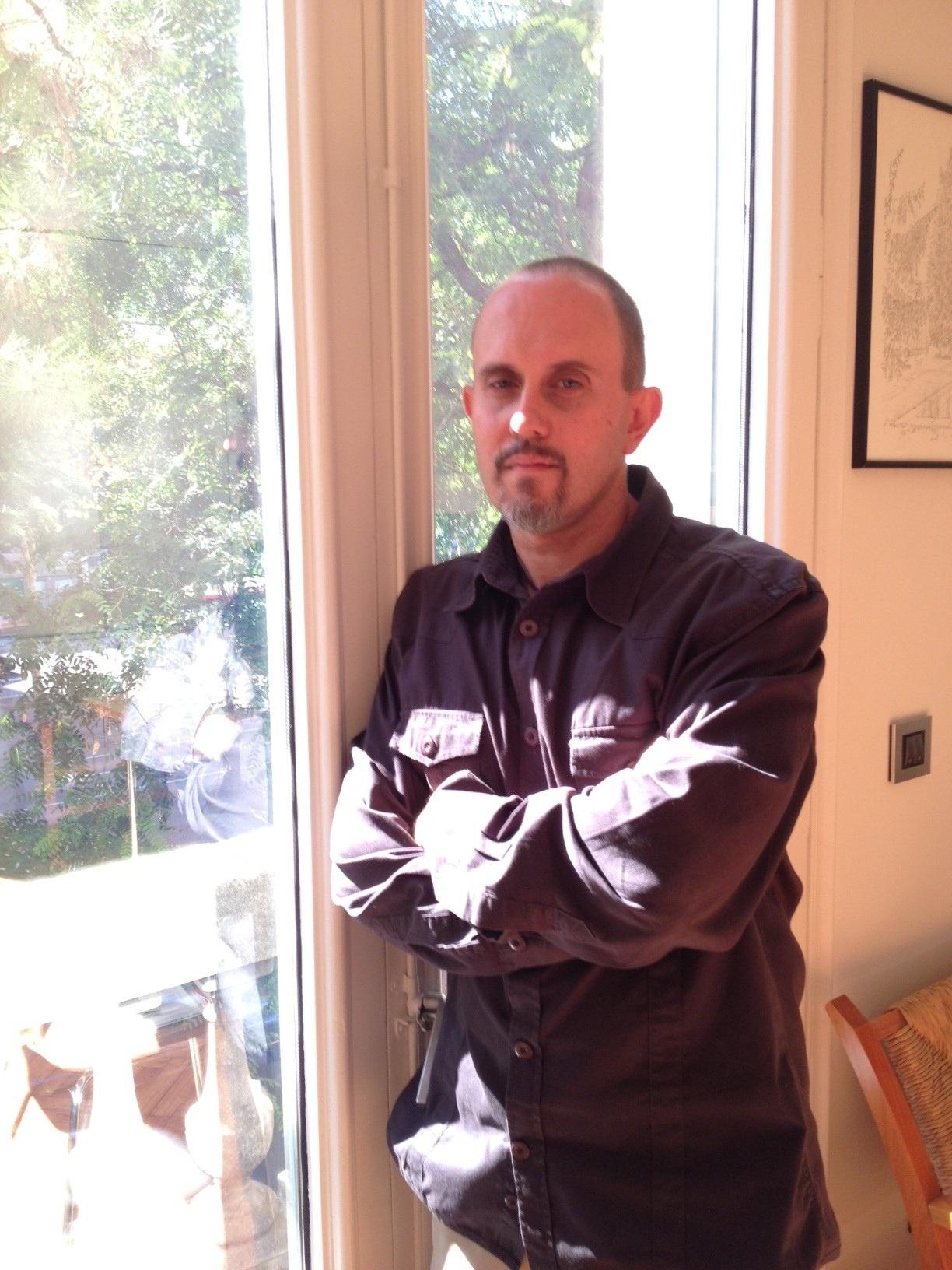 Ginés Sánchez gana el IX Premio Tusquets de Novela 2013 con »Los gatos pardos»