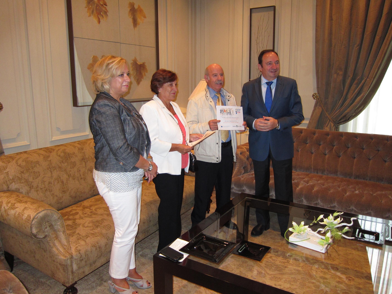 Un matrimonio riojano que trabajó en Francia durante doce años reciben el premio »Ciudadano Europeo»