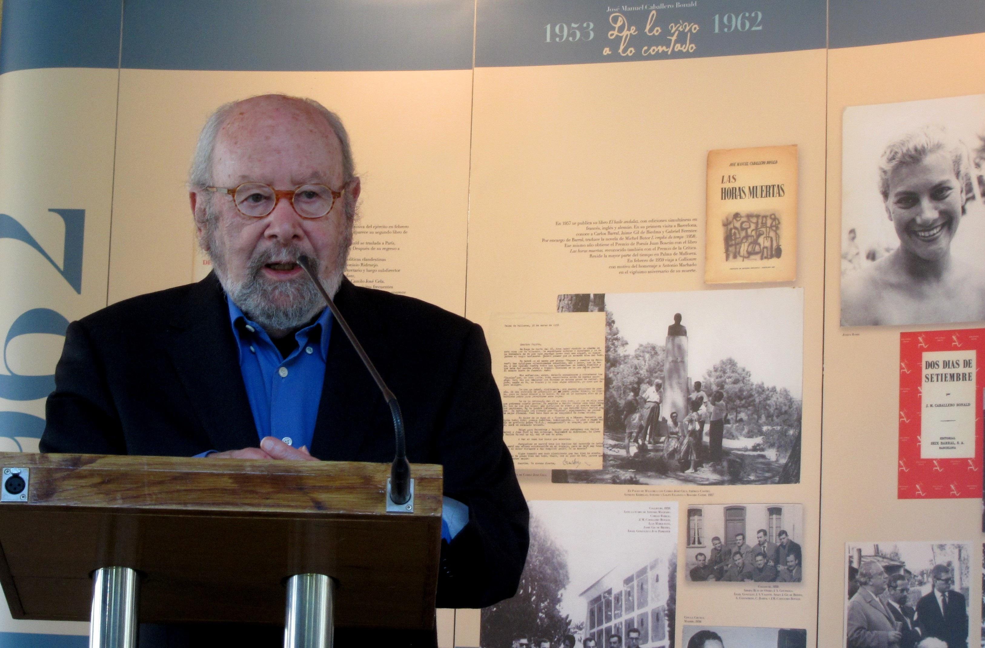 El Palmeral acoge »De lo vivo a lo contado», un homenaje al poeta andaluz Caballero Bonald