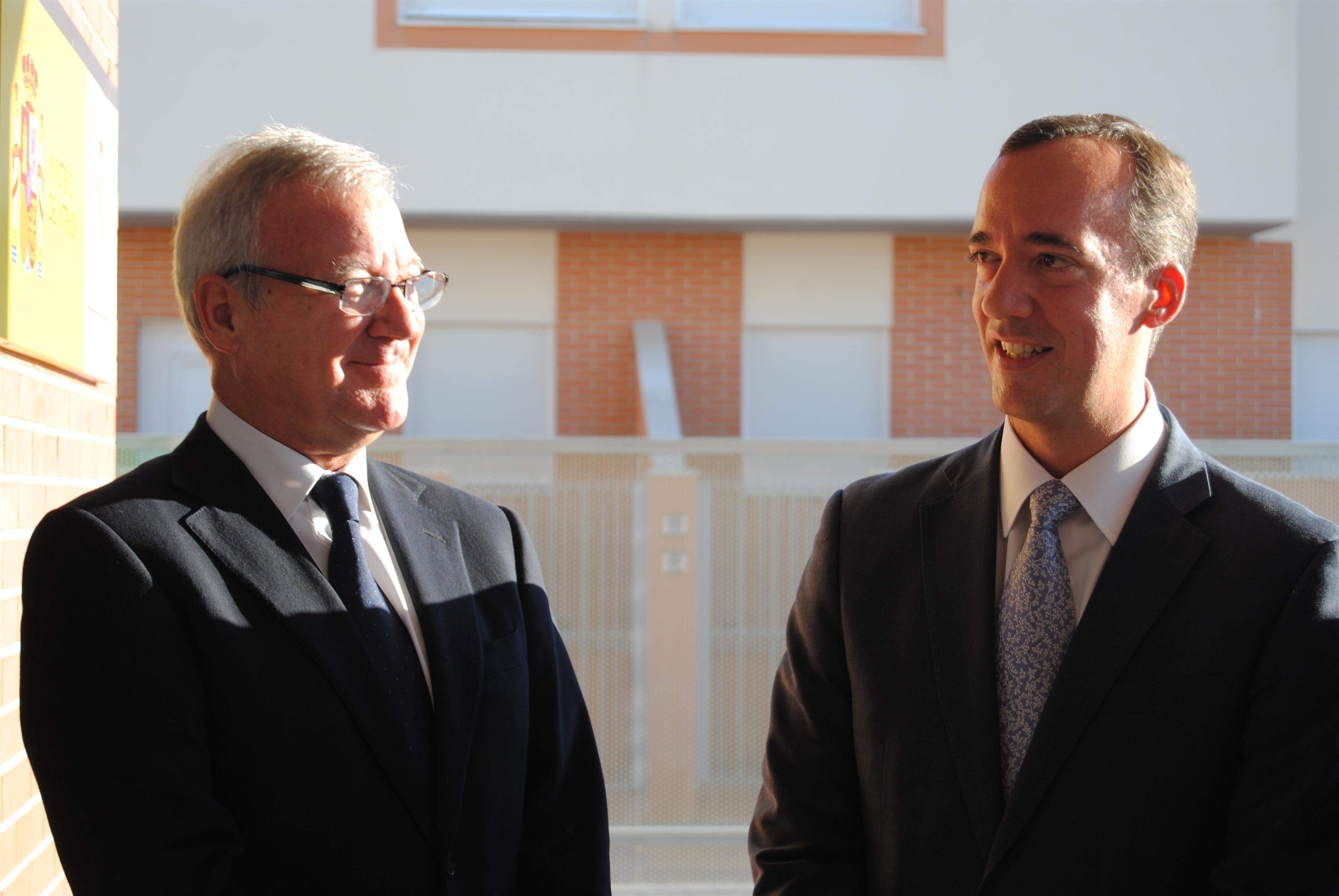 El secretario de Estado de Seguridad tacha de «muy lamentables» las declaraciones de Picardo y defiende la labor de FCSE