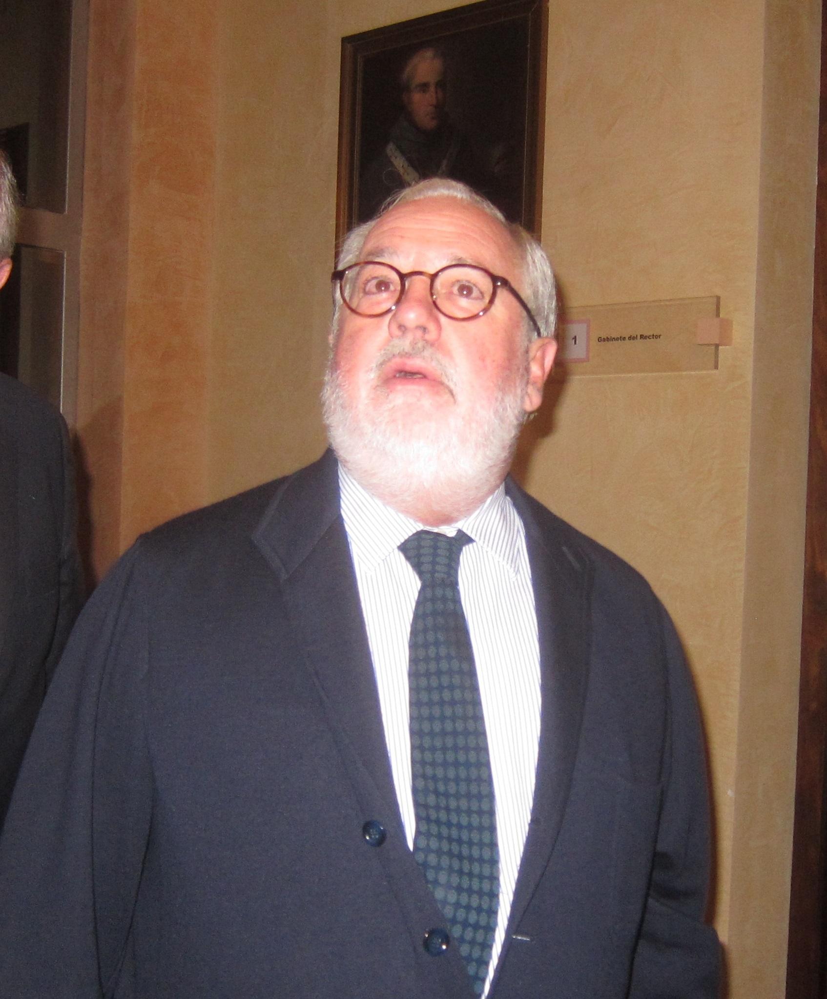 Arias Cañete asegura que no hay «ninguna prisa» para la elección del candidato del PP-A a la Junta