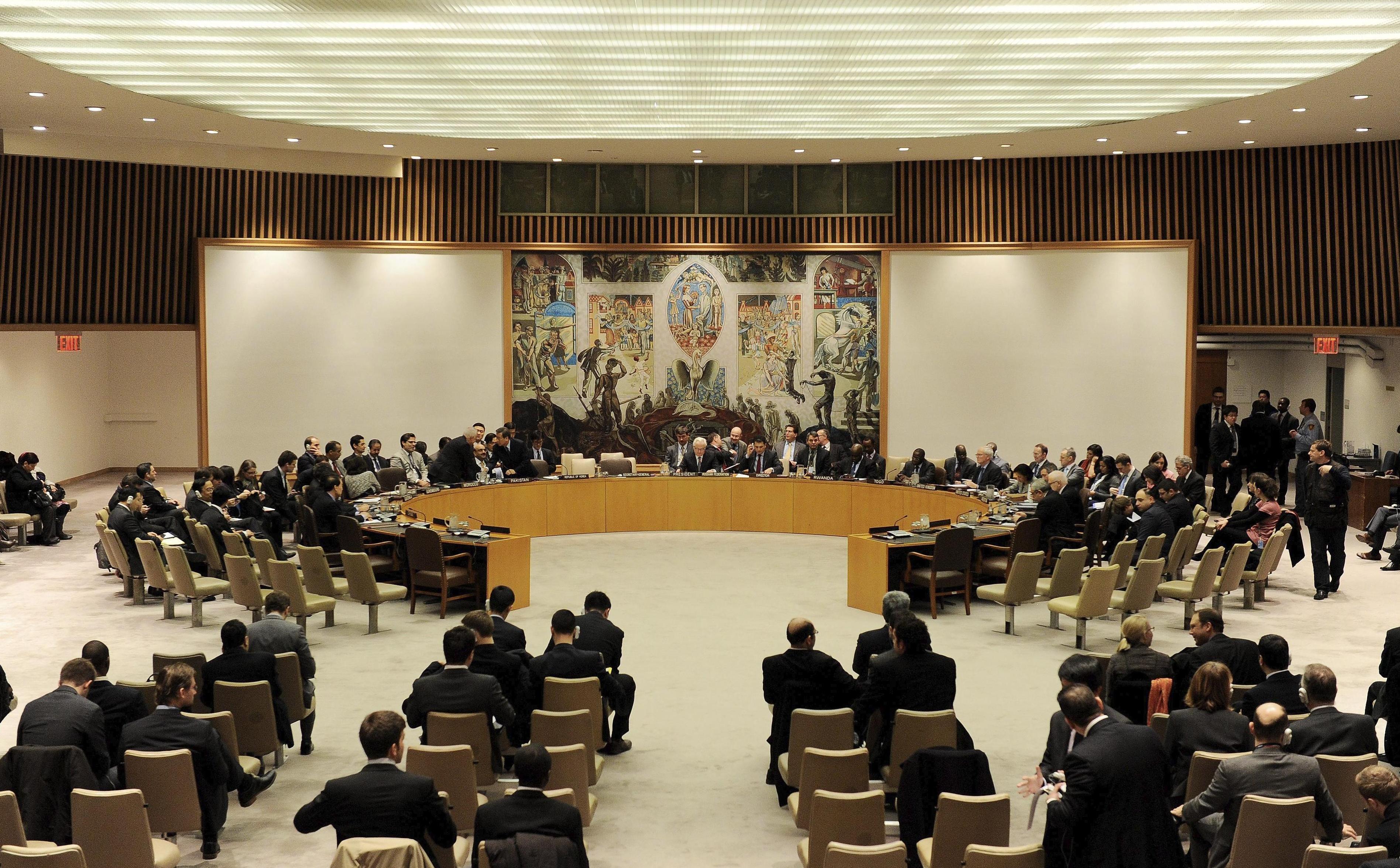El Consejo de Seguridad autoriza una misión de OPAQ-ONU para destruir el arsenal sirio