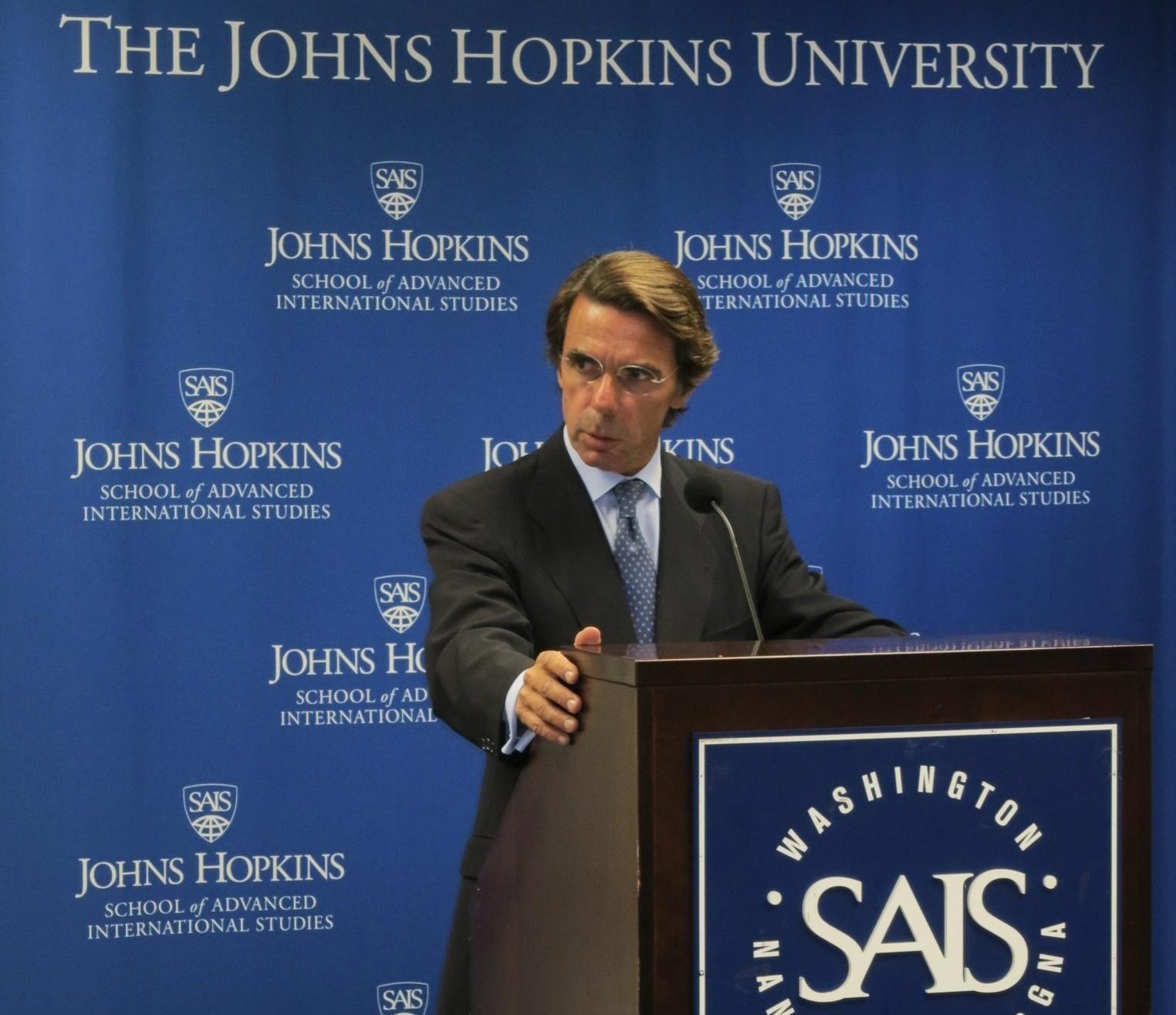 Aznar llama a impedir que ETA encuentre en «sus socios políticos» oxígeno para «sobrevivir a su derrota»