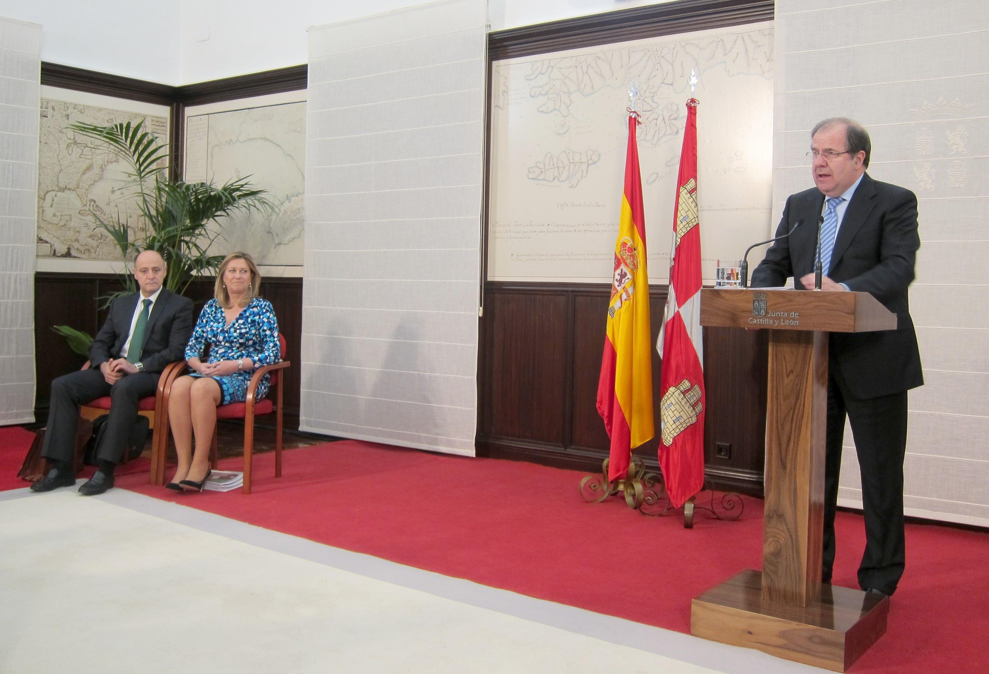 La Junta estima la tasa de paro en el 21,5% para 2014, un 4,4% menos de lo previsto en España