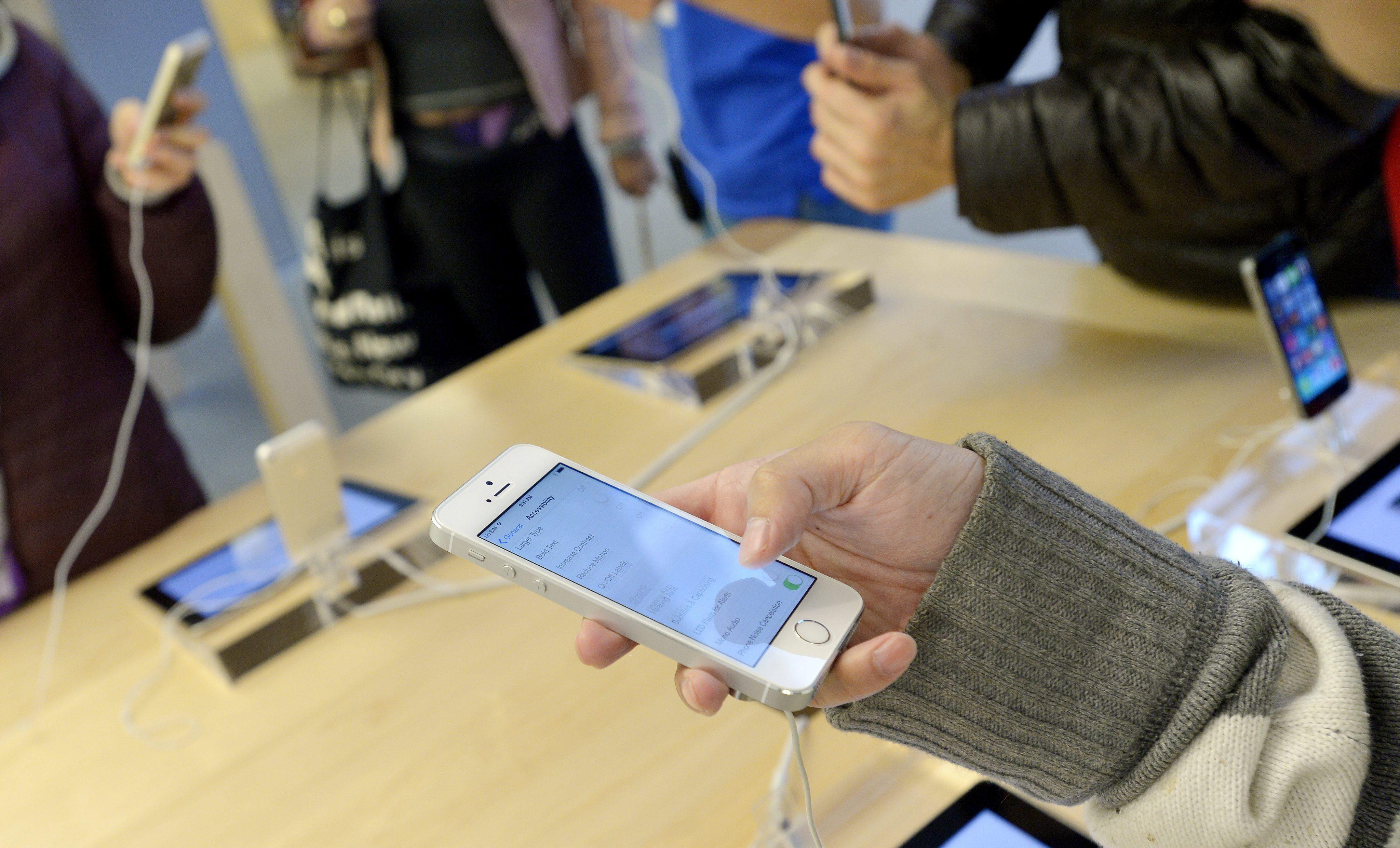 El iPhone 5S vende el doble que el iPhone 5C en EEUU