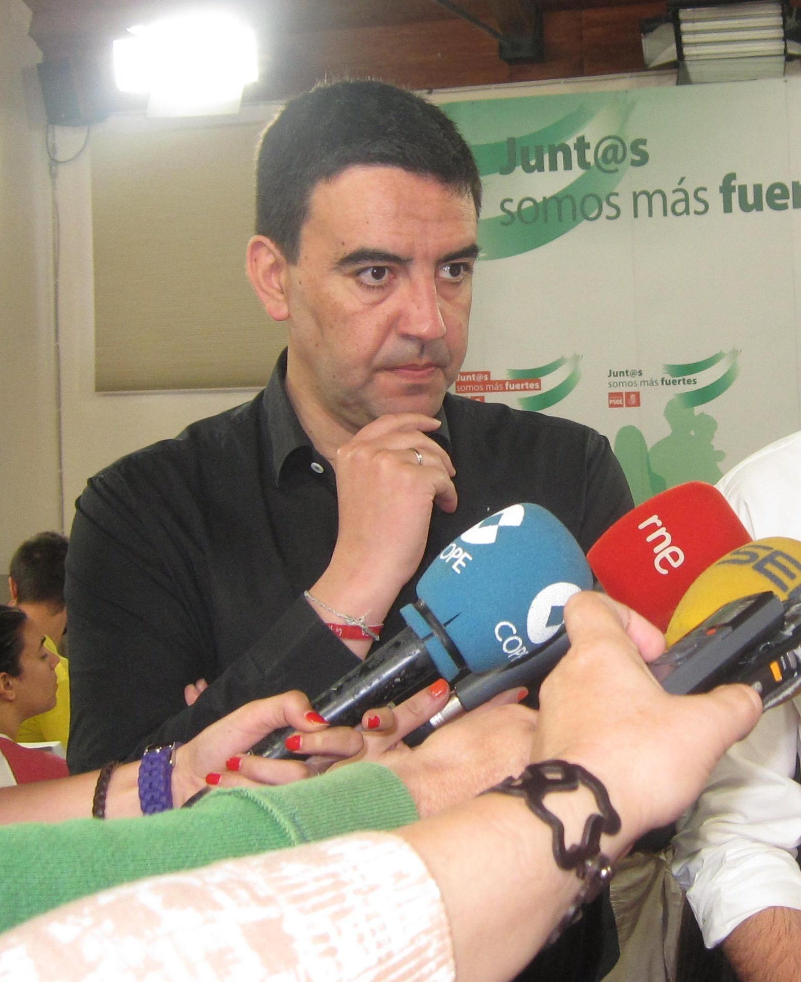 PSOE-A afirma sobre las primarias que nadie tiene que marcar calendarios a Rubalcaba
