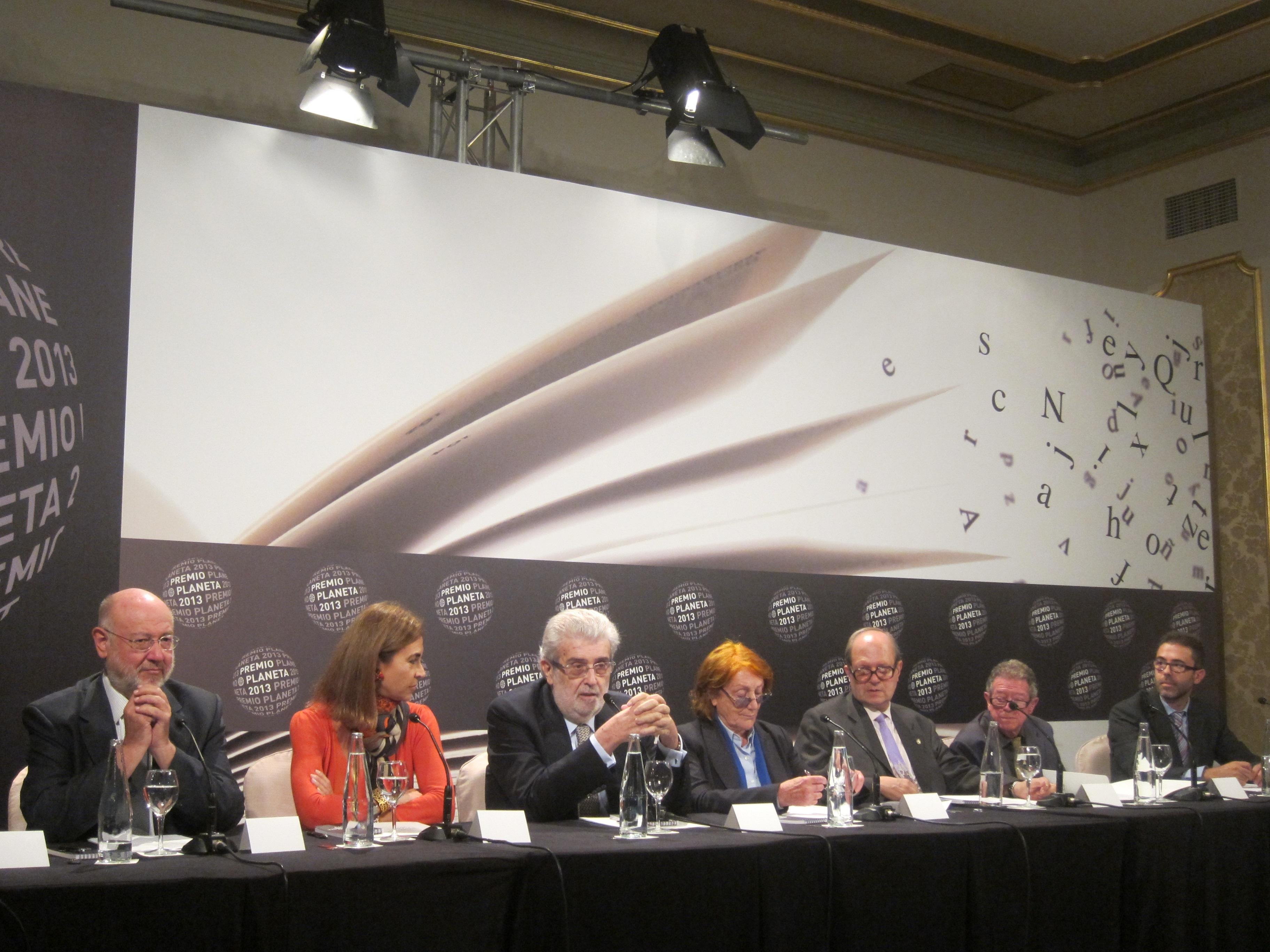 Un millar de personas asisten a la entrega del LXII Premio Planeta de Novela