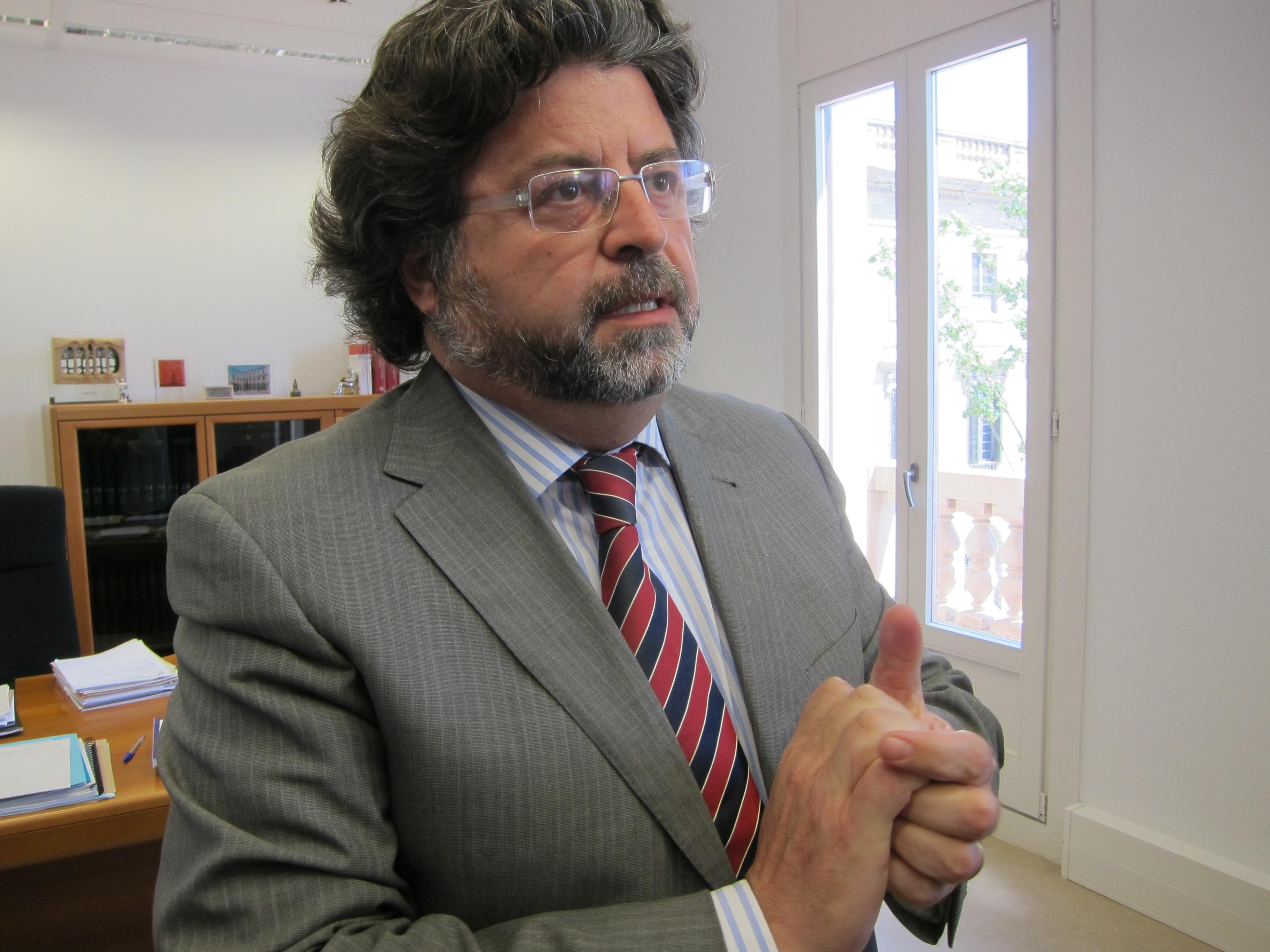 Castellà admite «tensiones» con la UAB por el recorte pero dice que la relación es buena