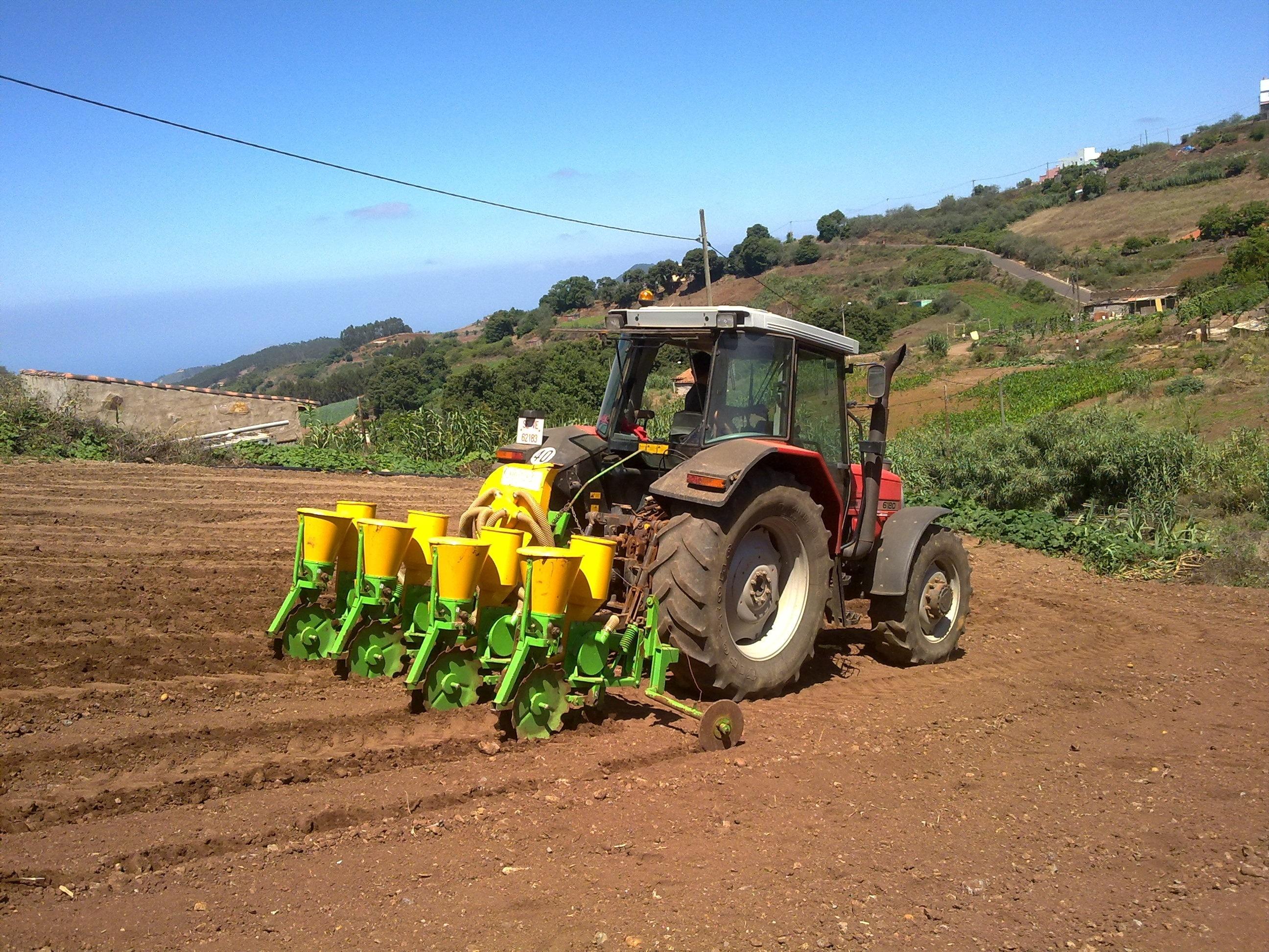 El Congreso pide al Gobierno por unanimidad un Estatuto del Emprendedor Rural y menos trabas burocráticas