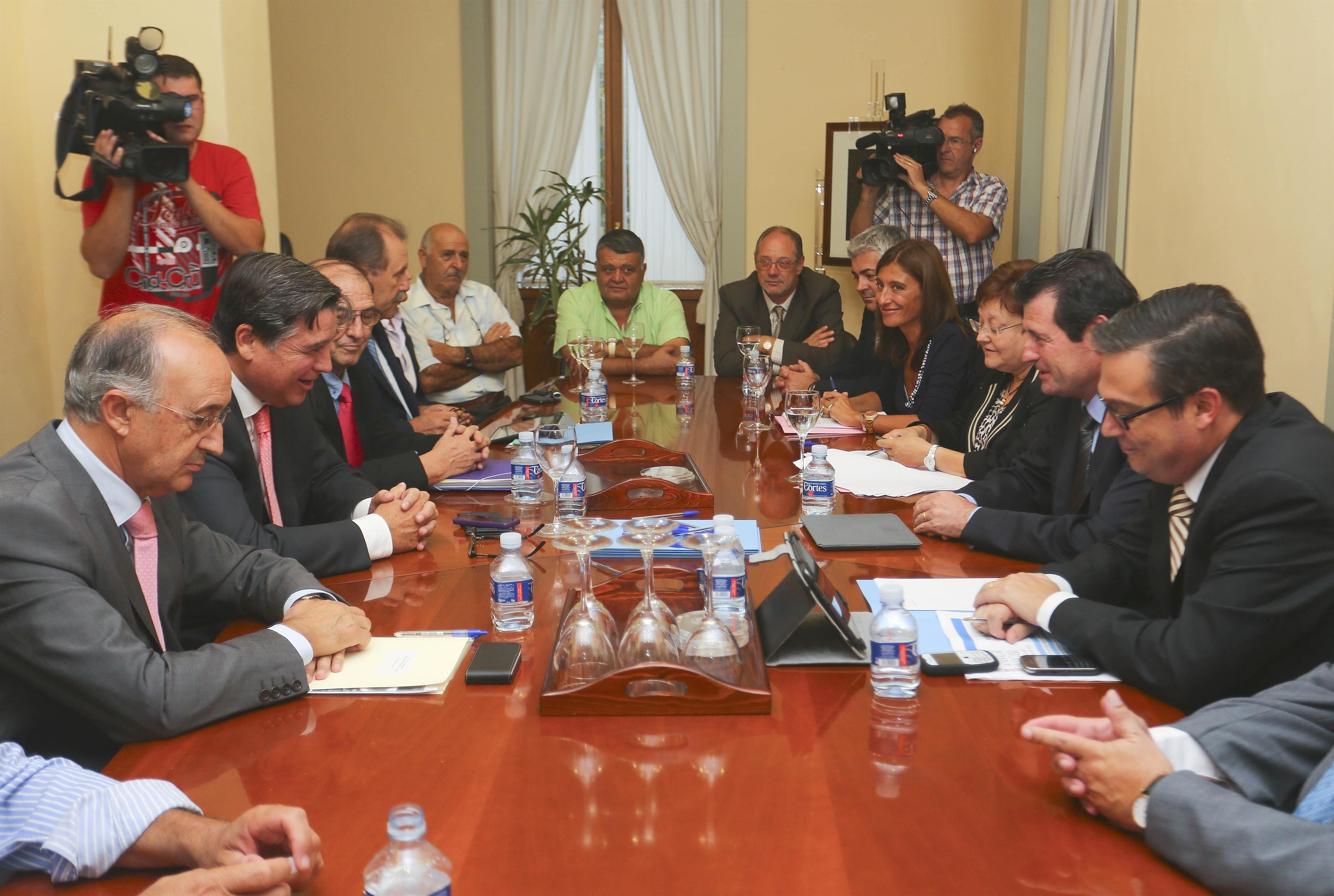 El Consell asegura que el acuerdo para el Tajo-Segura garantiza el trasvase y da seguridad a los regantes