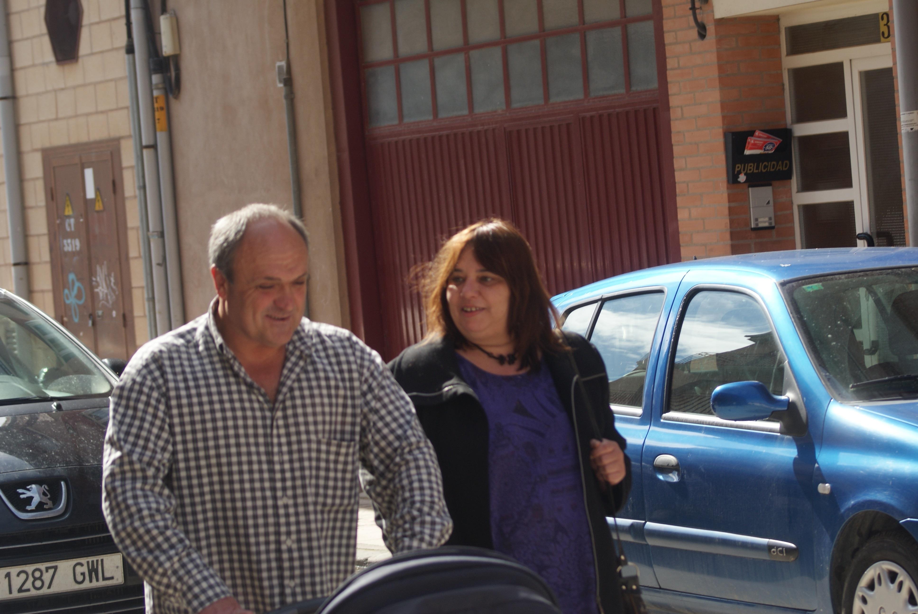 Lasarte acude a firmar al cuartel de Elizondo y vuelve a su hostal tras un breve paseo con su familia