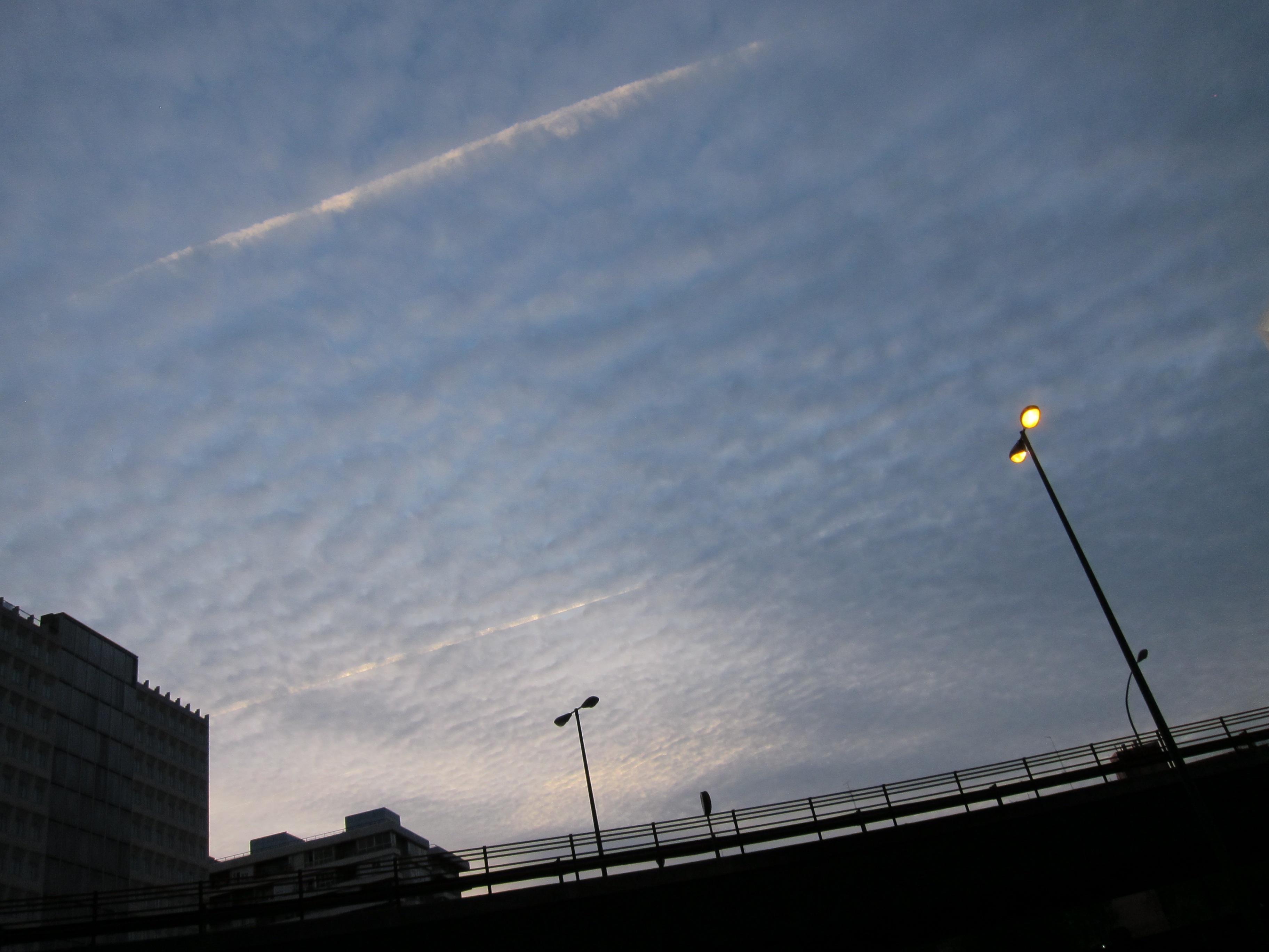 La OCU aplaza un día la subasta para la compra colectiva de luz tras no recibir ofertas de grandes eléctricas