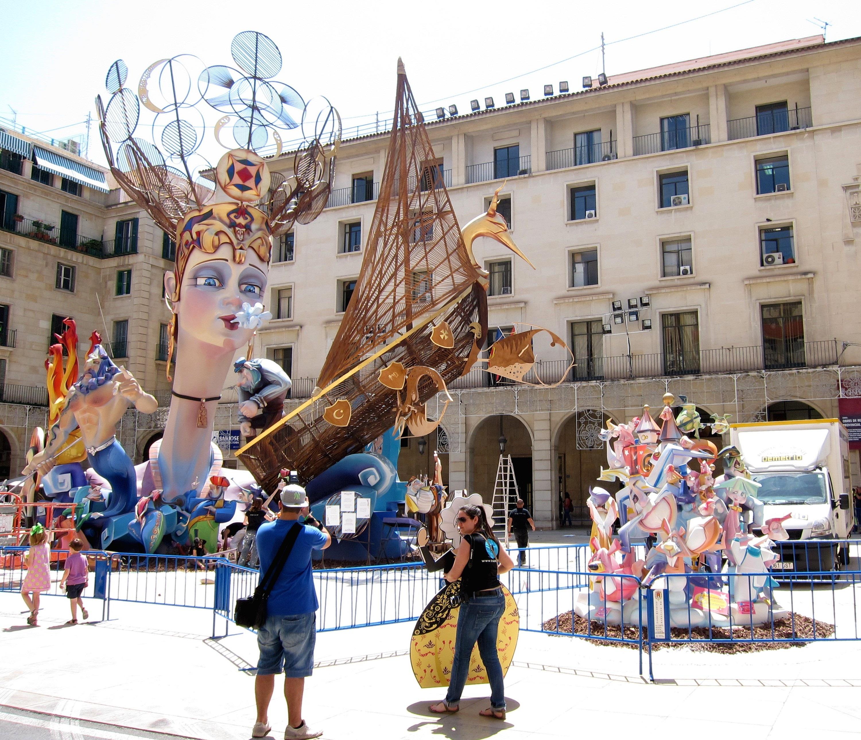 El PP rechaza hacer «excepciones» en la aplicación del IVA para las fiestas de interés turístico