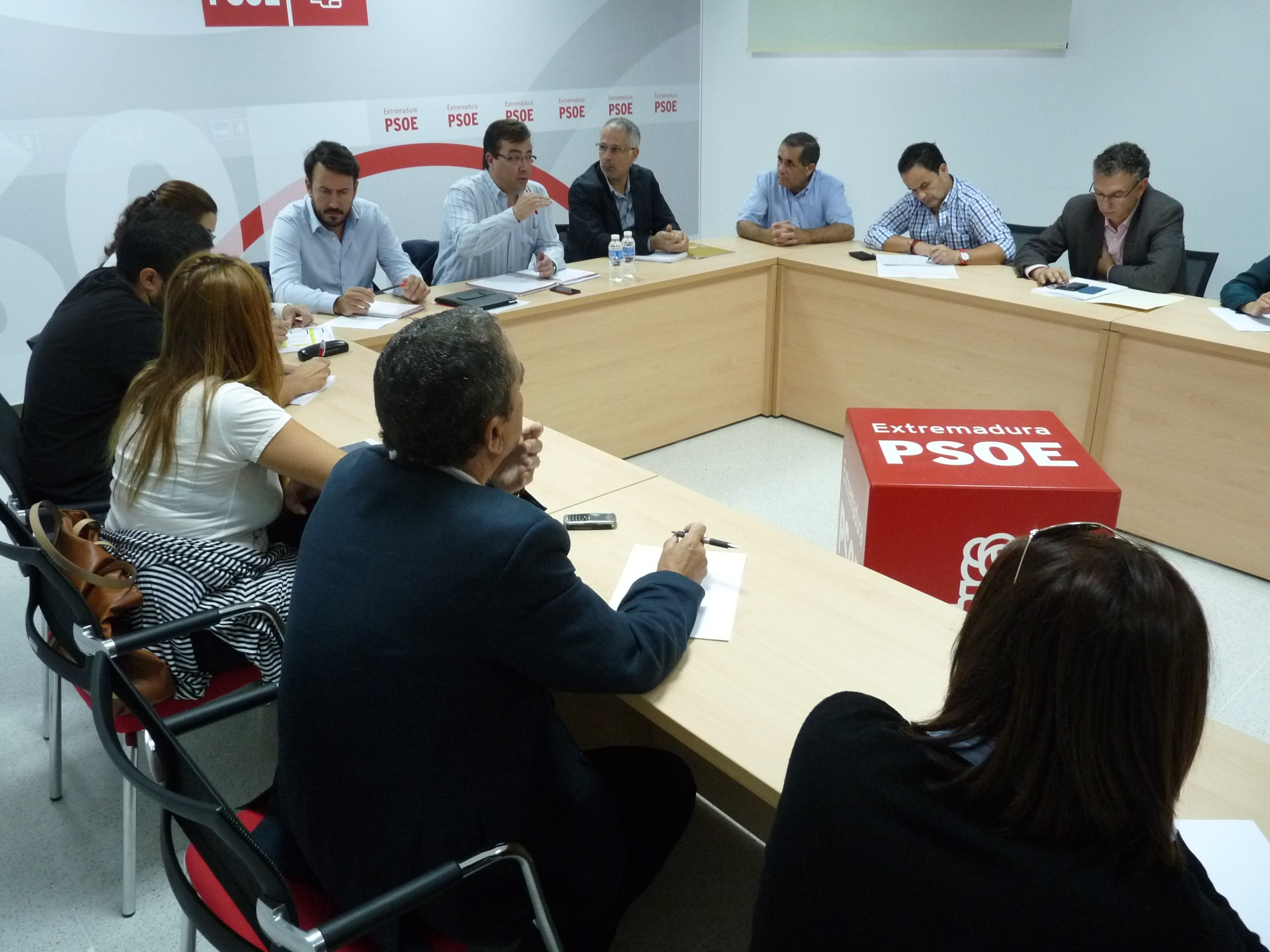 El PSOE insiste en que la reforma local del PP convertirá en «barrios» a las entidades locales menores