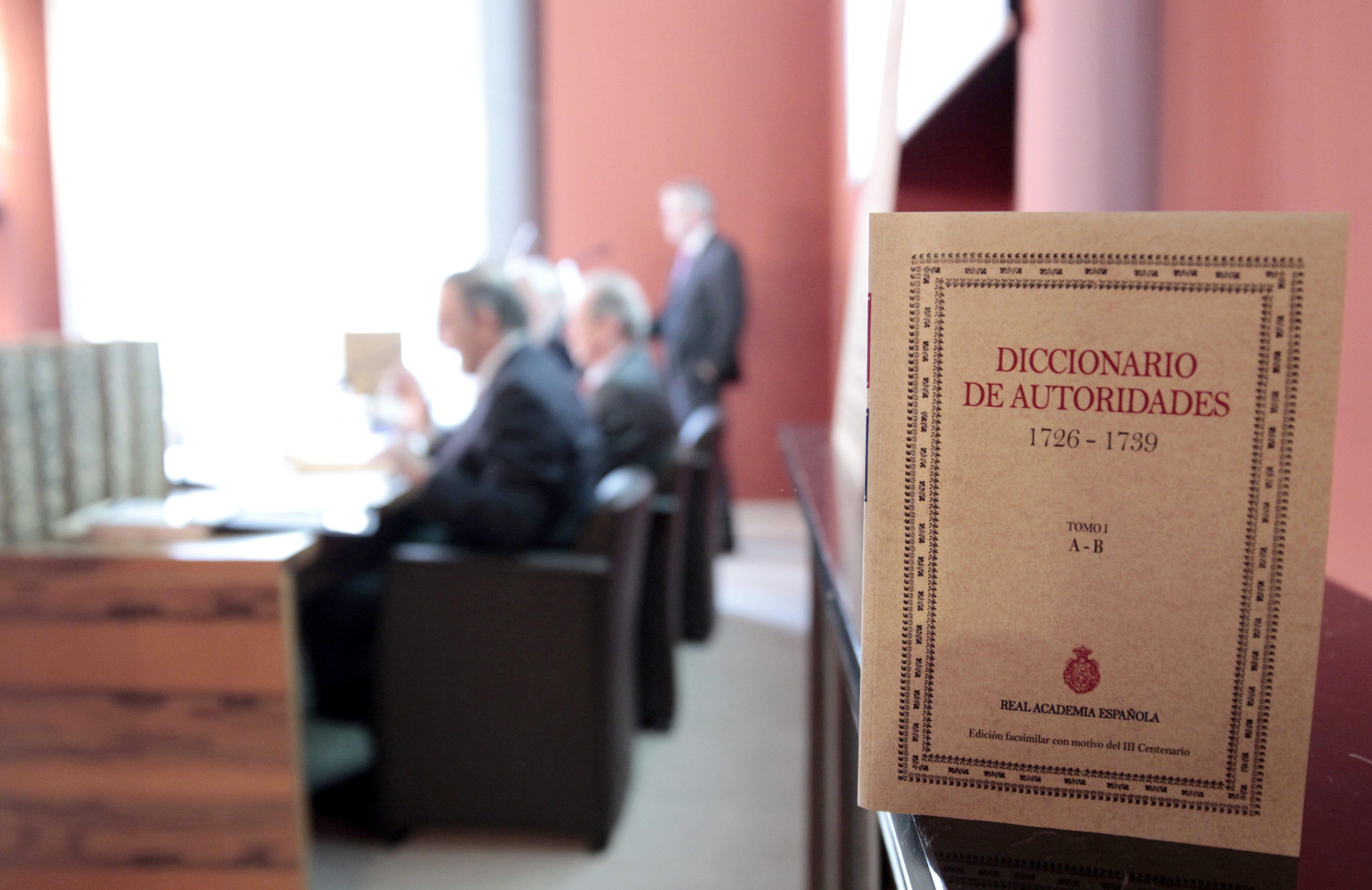Publican una edición facsimilar del Diccionario de Autoridades de la RAE