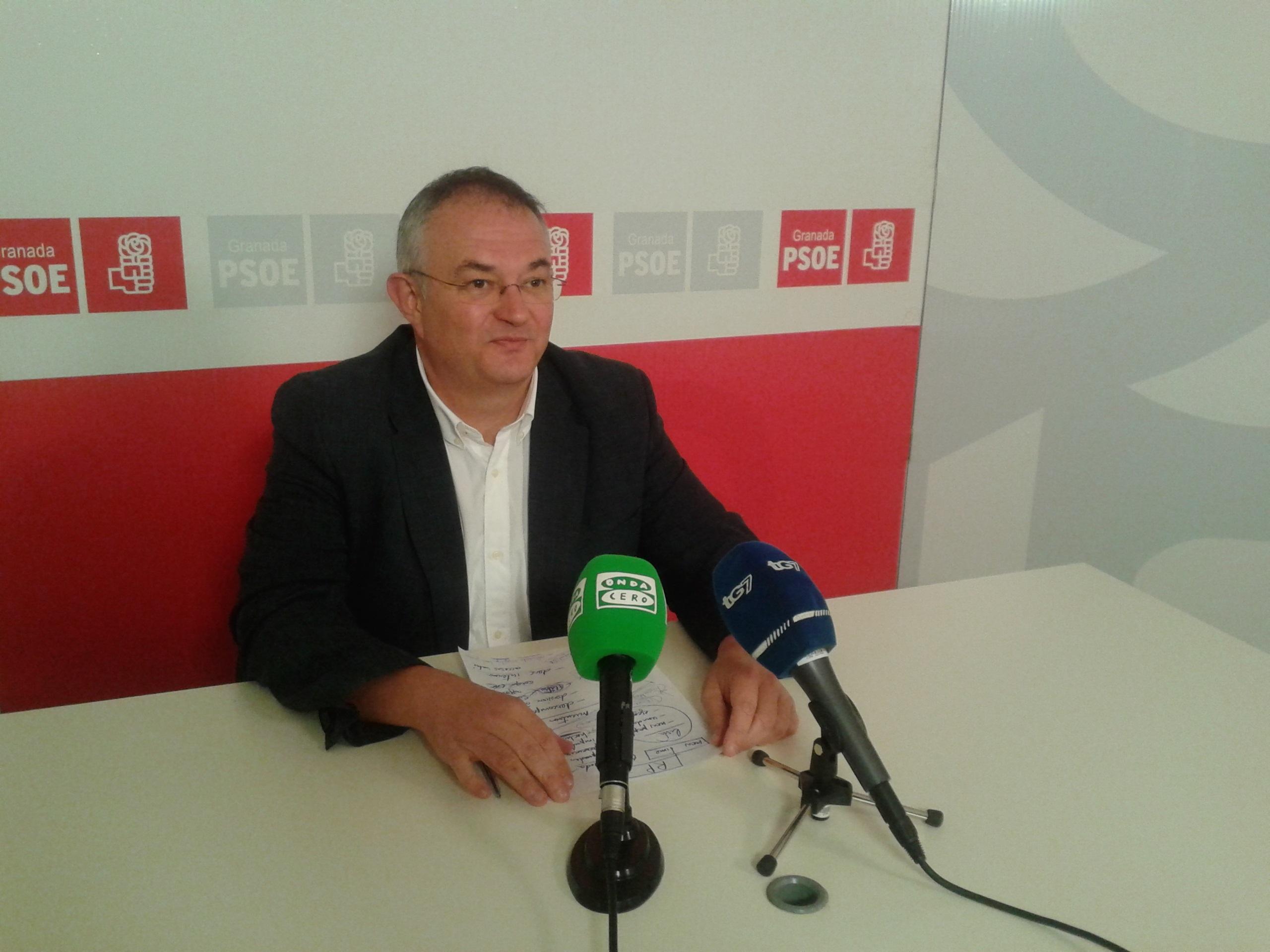 Rueda (PSOE) ve al equipo de gobierno en el Ayuntamiento (PP) en «liquidación política»