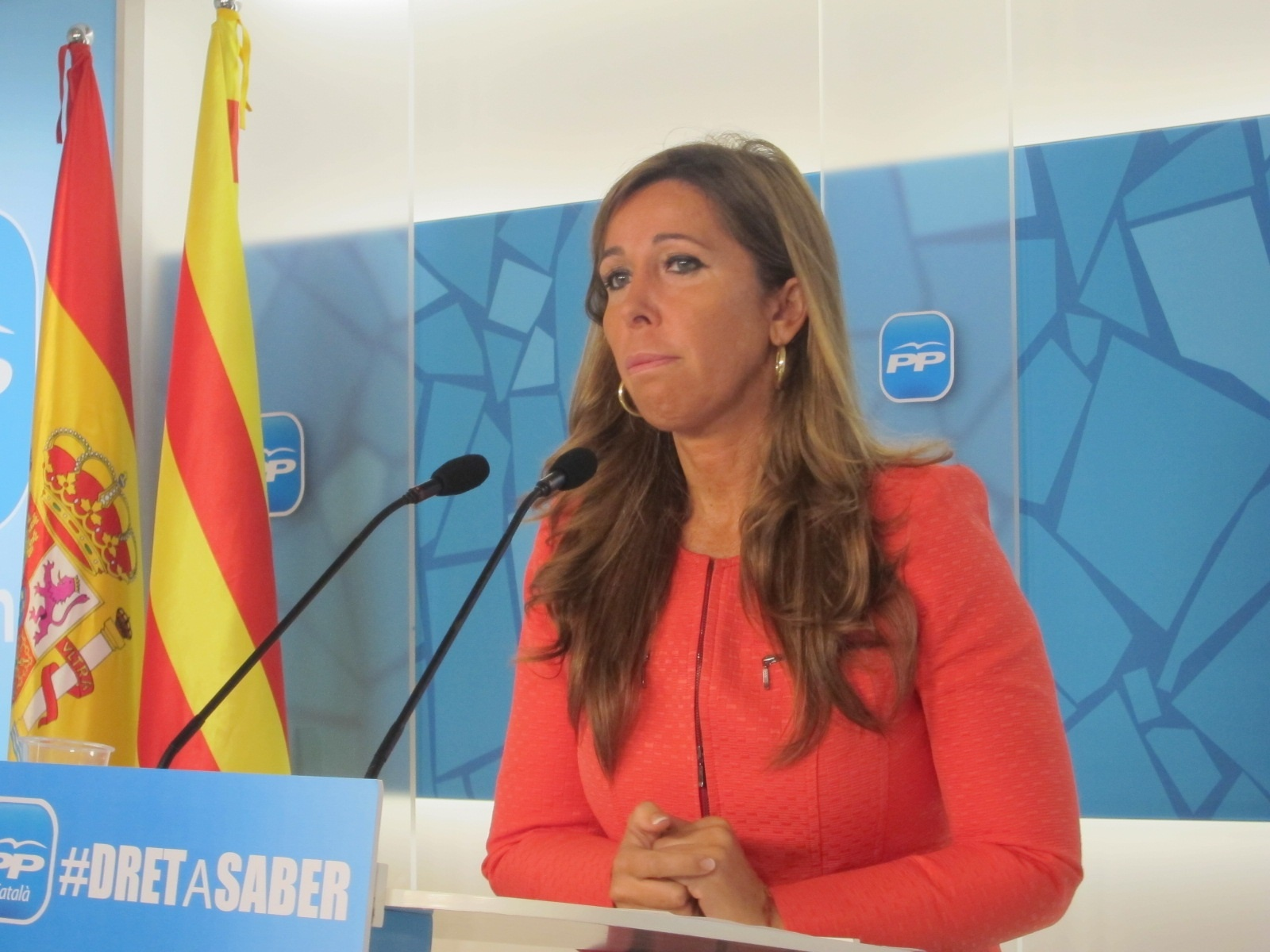 Sánchez-Camacho reclama que los beneficios del libro publicado por el director de Método3 sirvan para indemnizarla