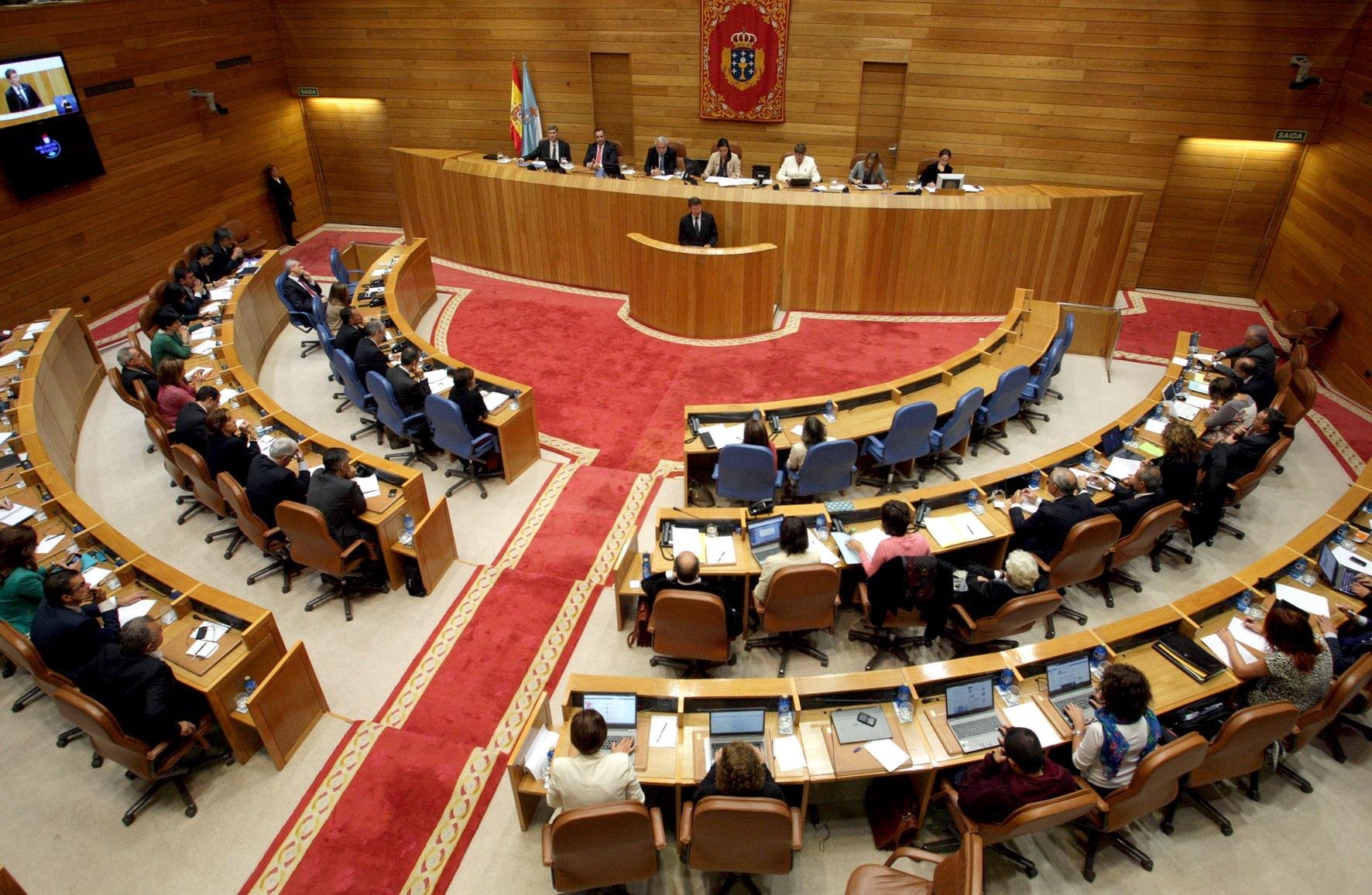(AV.Sólo dos propuestas de las 200 presentadas, sobre preferentes y la flota en Mauritania, logran unanimidad