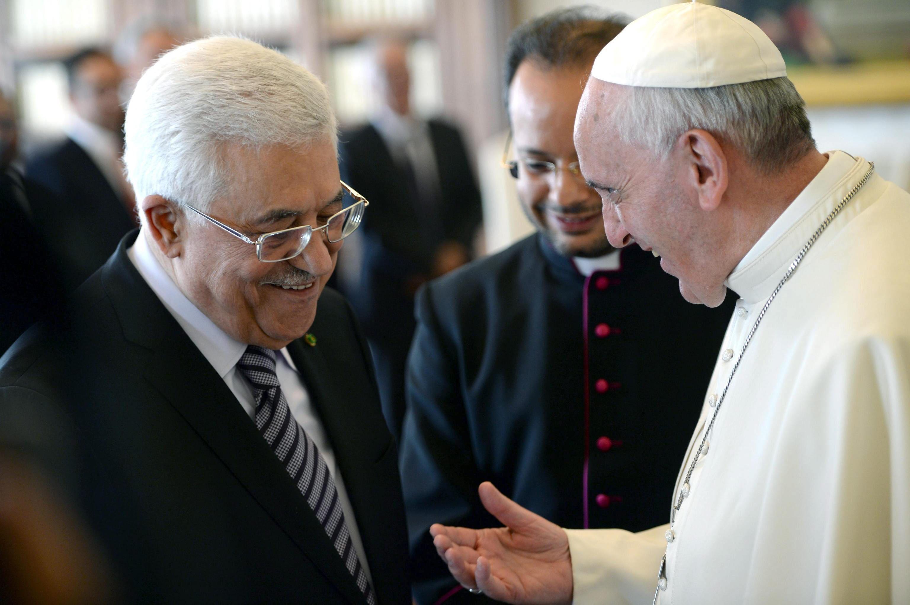 El papa pide a Abú Mazen que se «tomen decisiones valientes» a favor de la paz