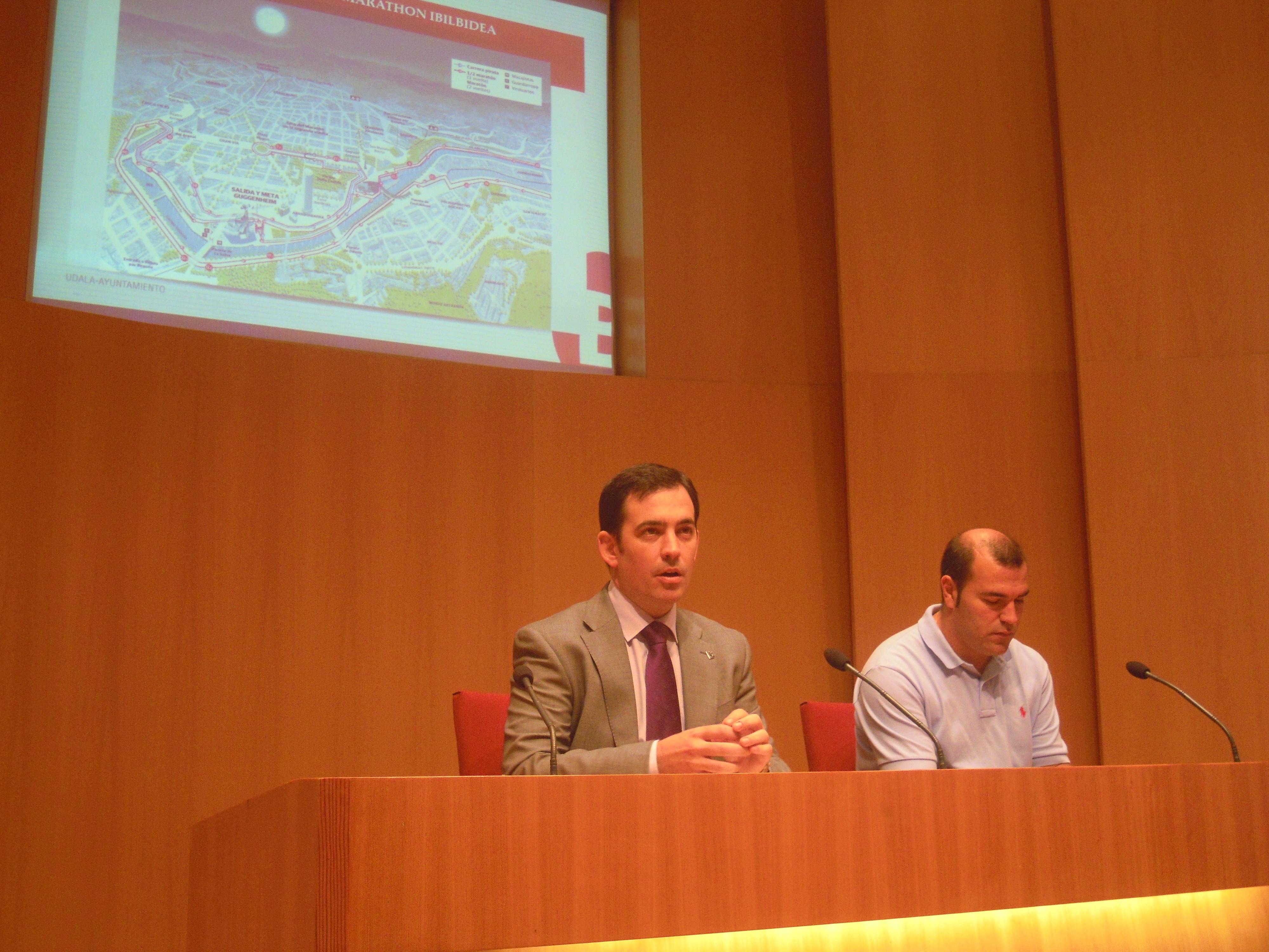 La Bilbao Night Marathon se consolida en su quinta edición con un aumento de 2.000 participantes respecto a 2012