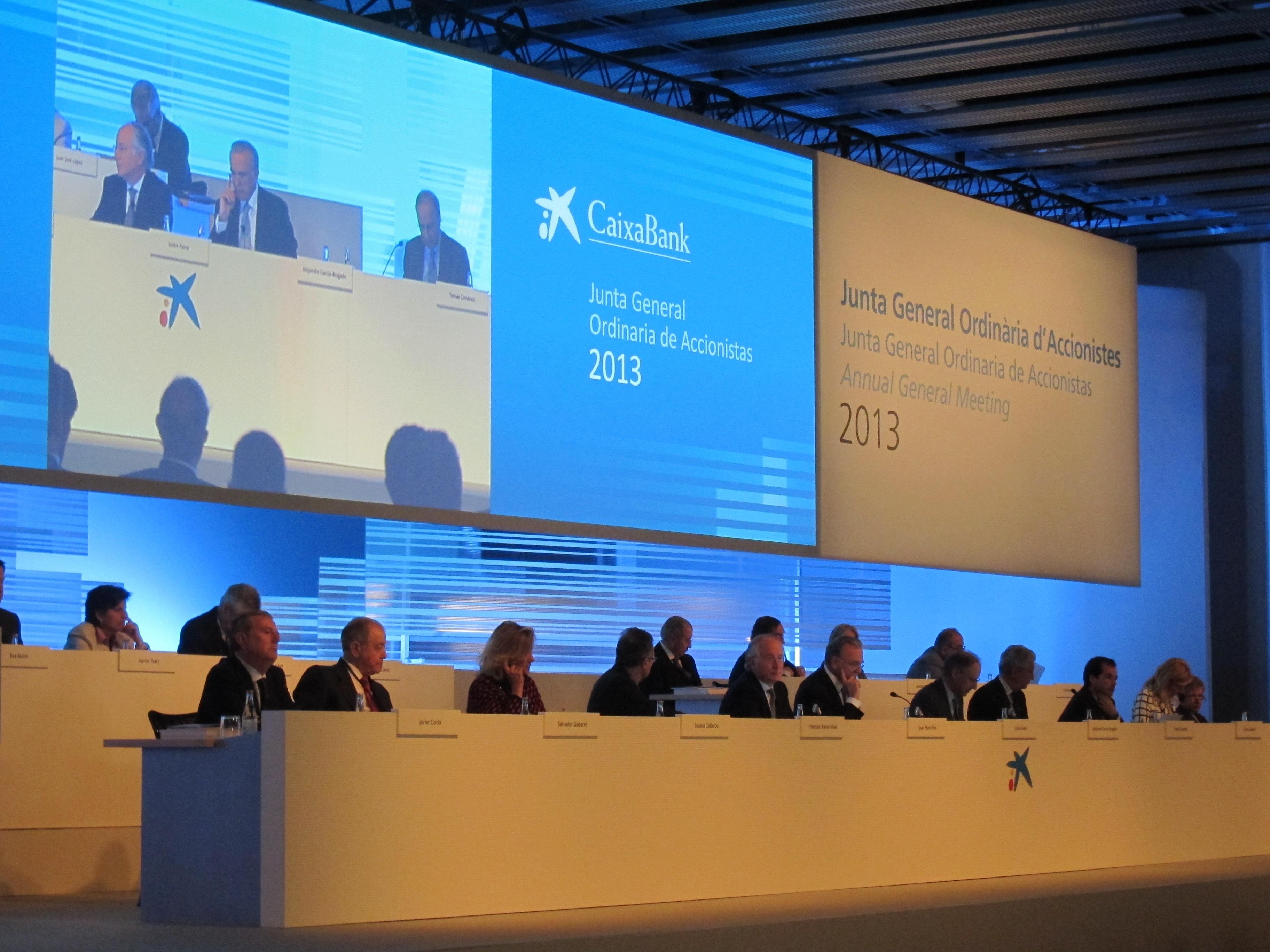 CaixaBank renueva un tercio de su comité consultivo de accionistas