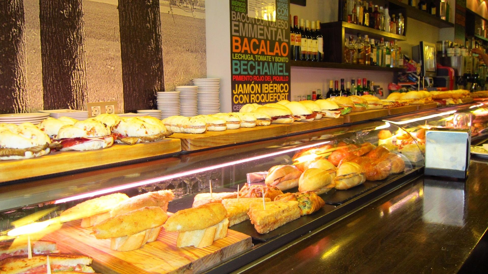 Cantabria lidera el descenso de afiliados en hostelería y agencias de viajes en septiembre, con un 3,7%