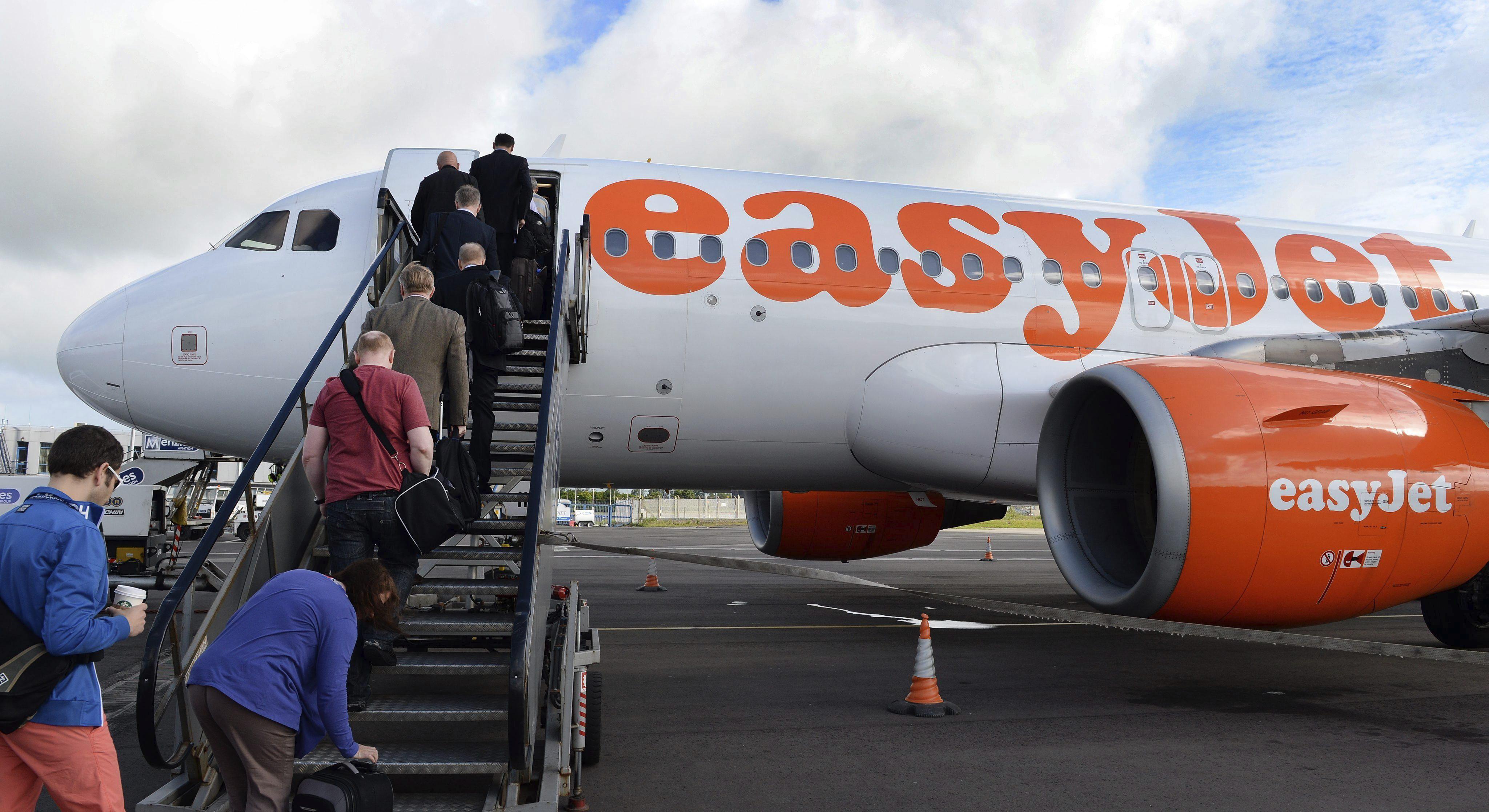 La aerolínea Easyjet anuncia la cancelación de rutas  desde Lisboa a Valencia y Oviedo