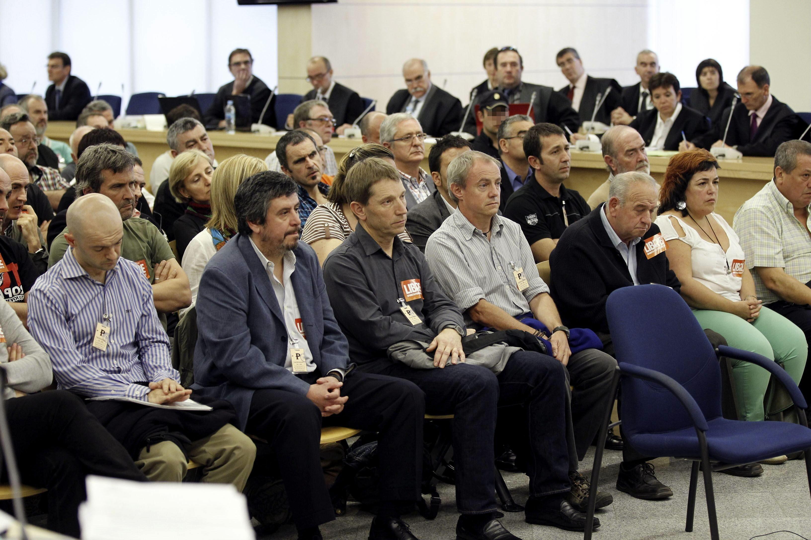 La Fiscalía pide apartar a dos acusados del juicio de las »herrikos»