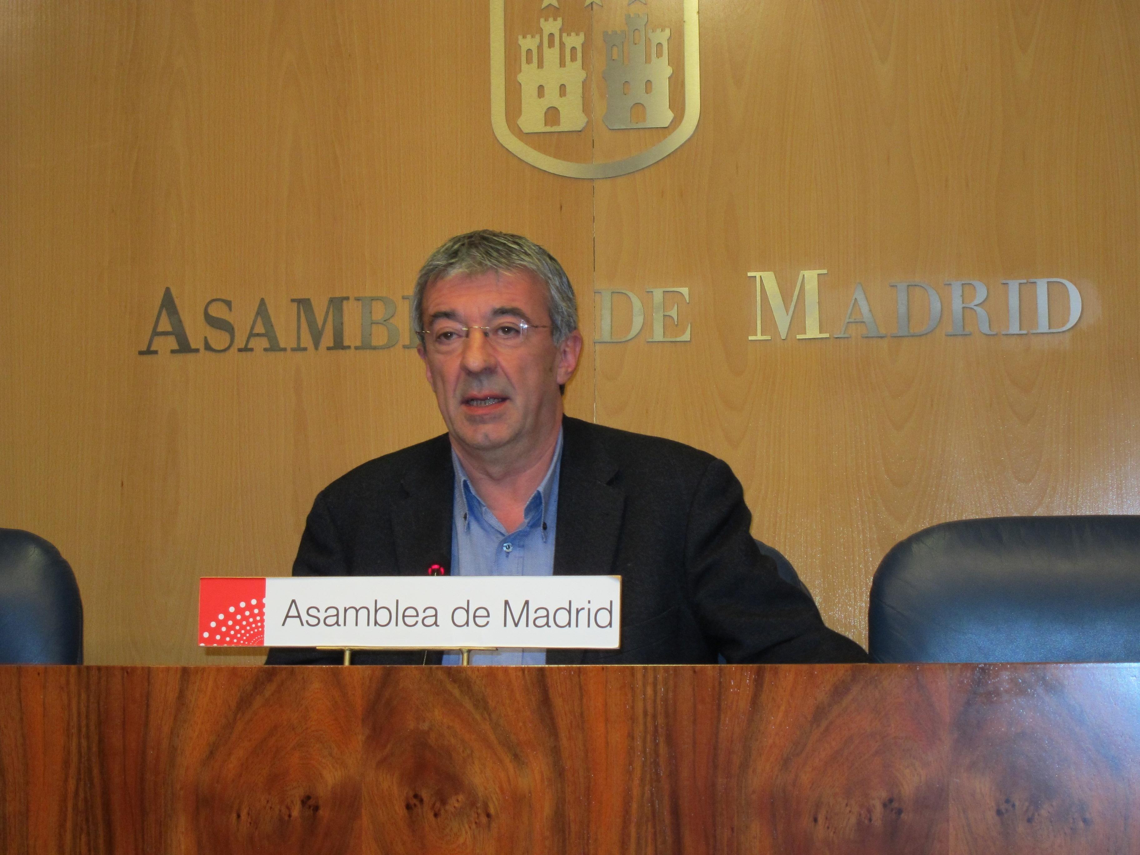 IU dice que González juega a ser «Mas sin salida al Mediterráneo» y éste, que está alejado de posiciones de Cataluña