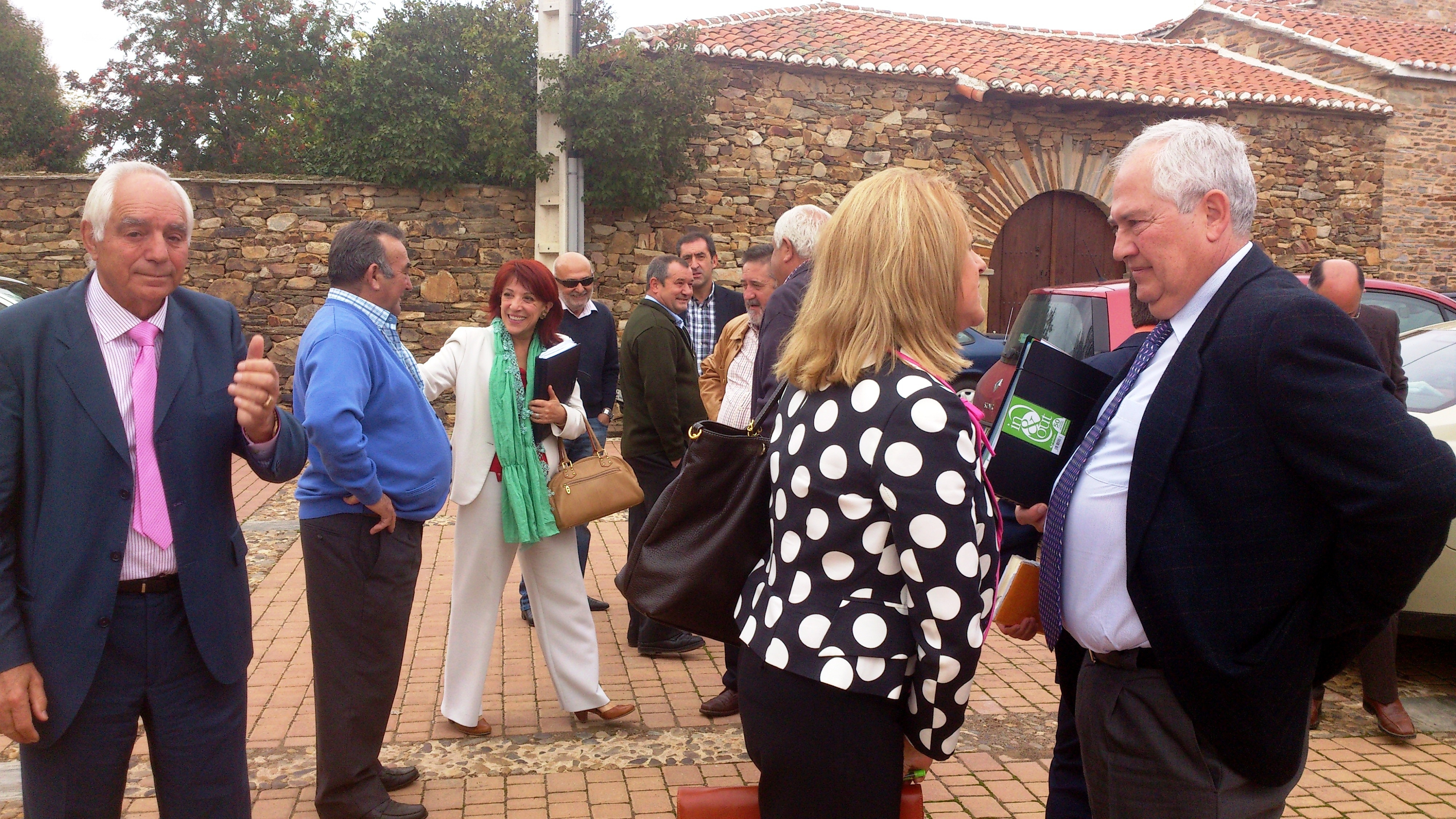El delegado de la Junta en León analiza con 40 alcaldes y representantes municipales la Ley de Ordenación del Territorio