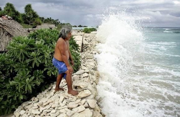 Un hombre de las Islas Kiribati quiere ser el primer refugiado climático del mundo