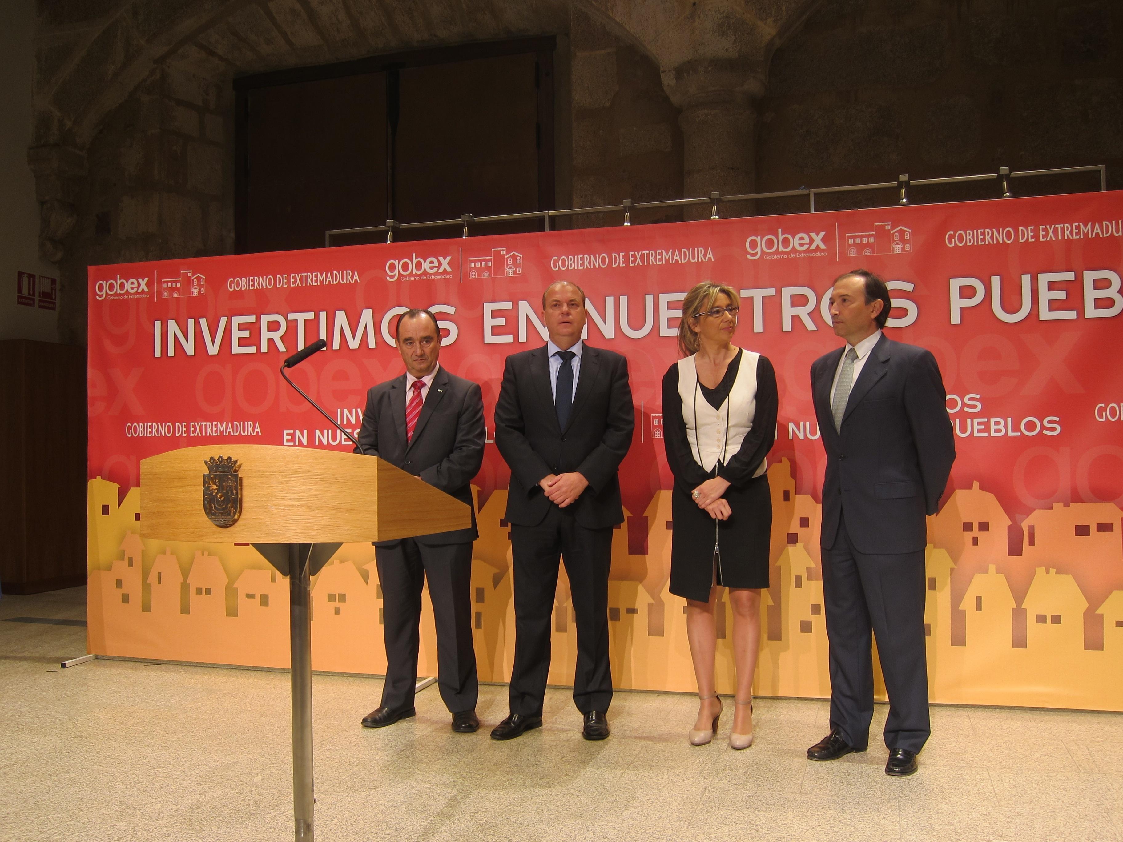 Monago destaca que el Plan de Inversión Municipal refuerza un modelo que cree en los pueblos «como futuro»