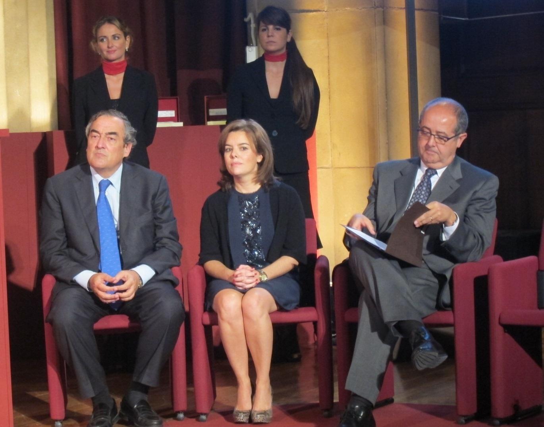 Puig defiende ante Santamaría que Catalunya busca «pacíficamente» nuevas estructuras de Estado