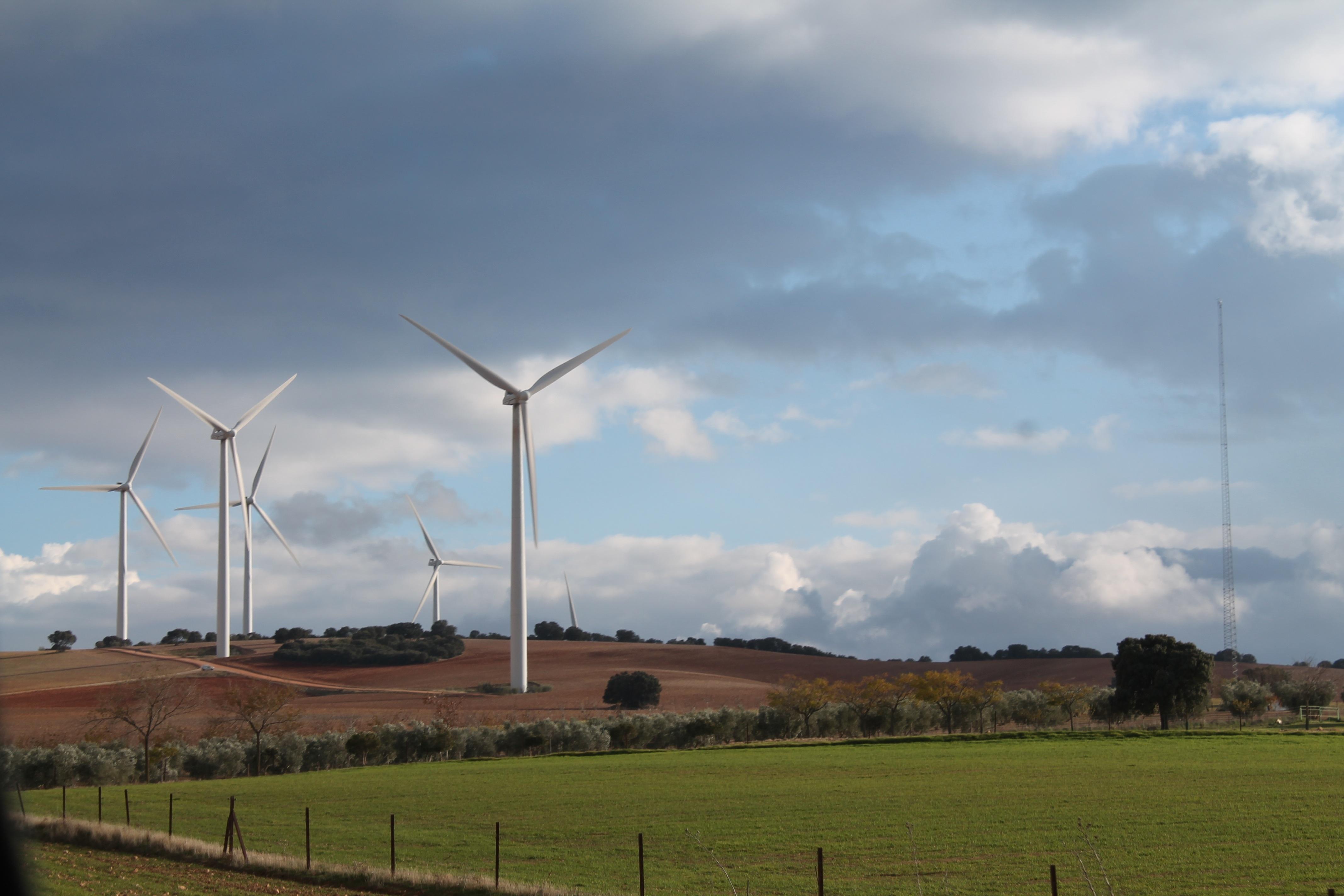 La Región cuenta con proyectos de energías renovables capaces de generar más de 3.000 megavatios