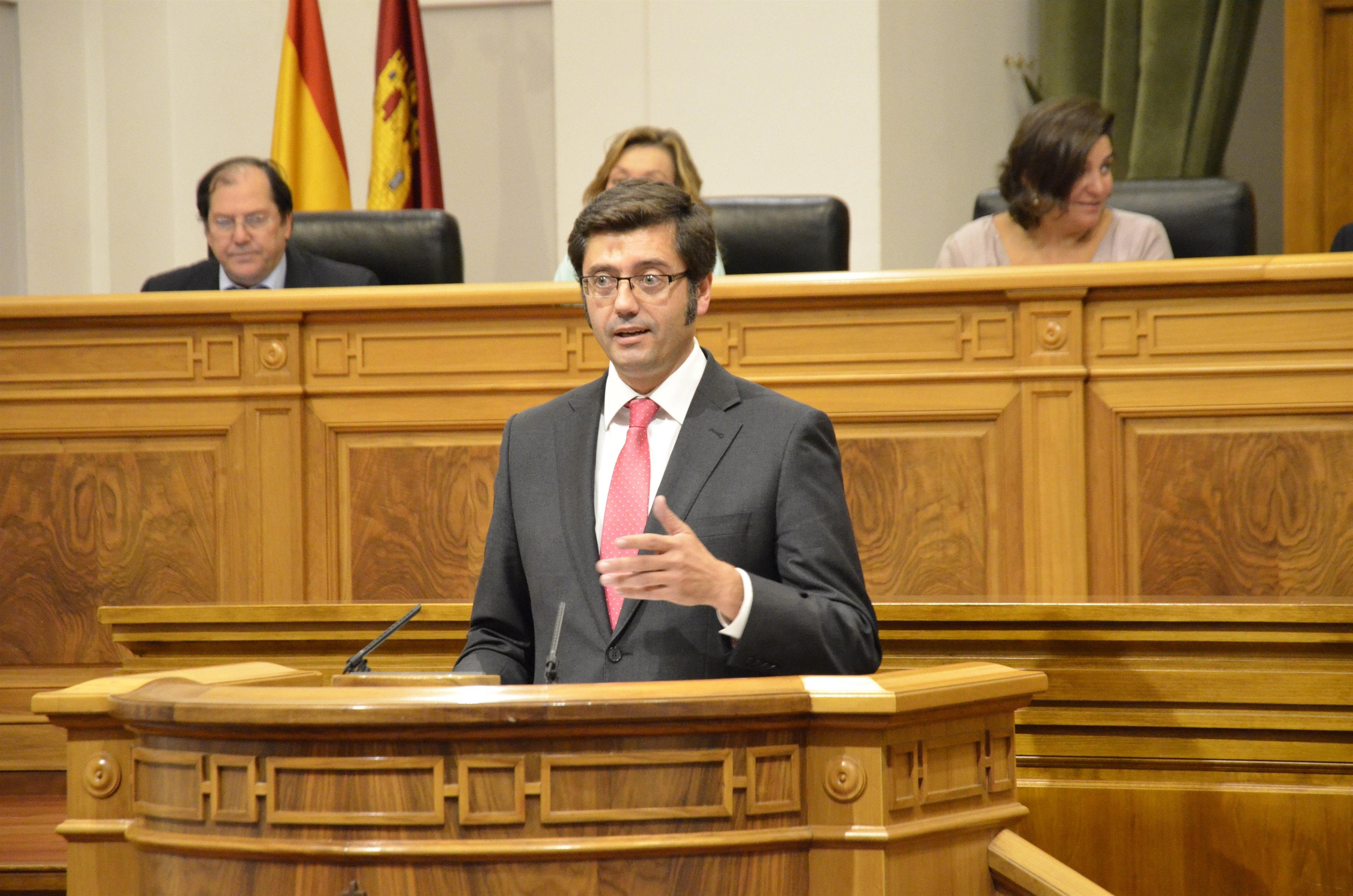 Romaní renueva su compromiso de saldar toda la deuda de la Junta con los ayuntamientos de C-LM a final de 2013